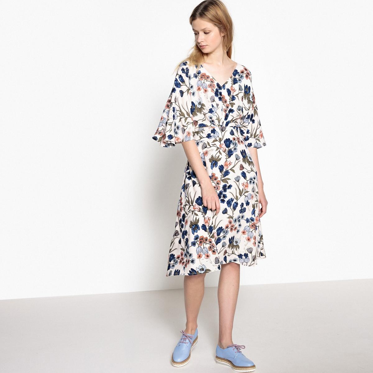 Платье приталенное с цветочным рисунком