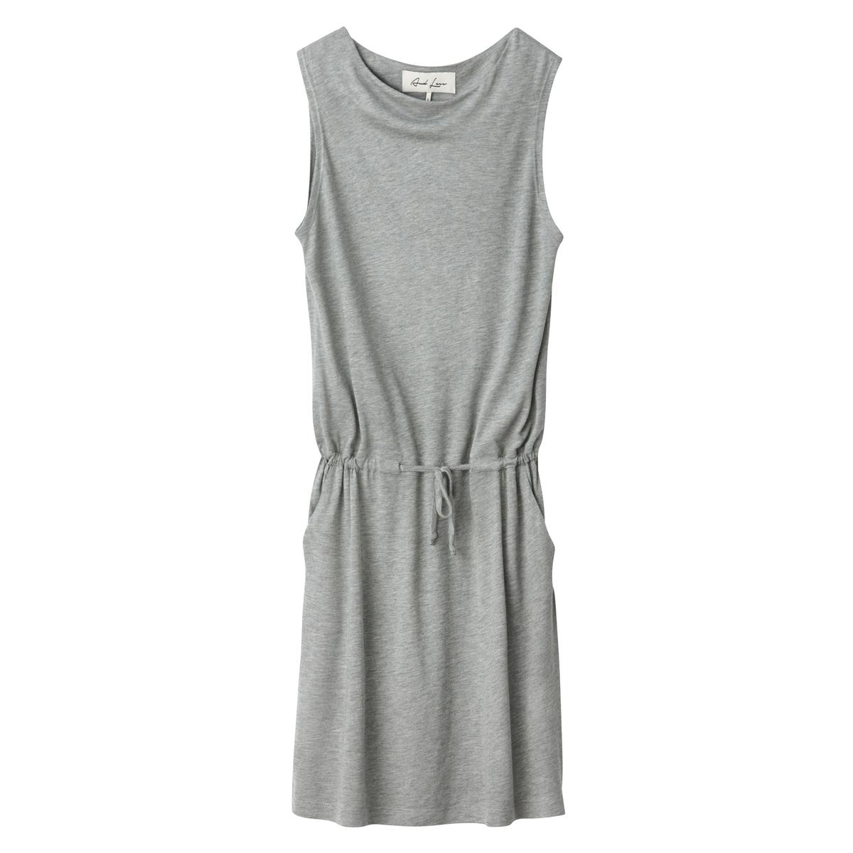 Платье однотонное прямого и короткого покроя без рукавов от AND LESS