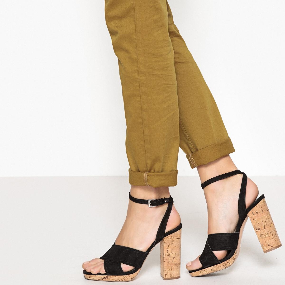 Zapatos de piel con tacón, corcho