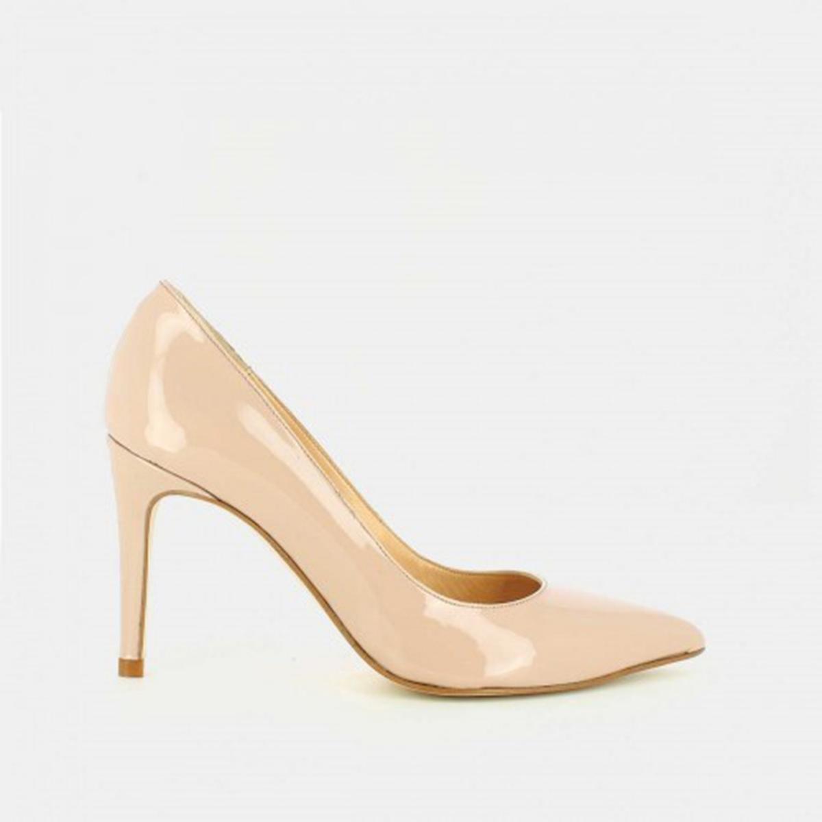 Туфли кожаные лакированные AlaricВерх : Кожа.   Подкладка : Кожа.   Стелька : Кожа.   Подошва : эластомер   Высота каблука : 8 см   Форма каблука : шпилька   Мысок : заостренный мысок     Застежка : без застежки<br><br>Цвет: бежевый лак<br>Размер: 40.37