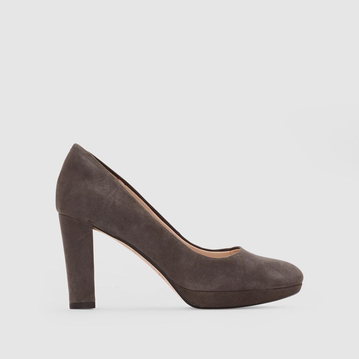 Туфли замшевые на каблуке, KENDRA SIENNAПодкладка: Синтетический материал.     Стелька: кожа.     Подошва: каучук.                       Высота каблука: 8 см. Форма каблука: широкая.Мысок: круглый.<br><br>Цвет: серый<br>Размер: 39.37