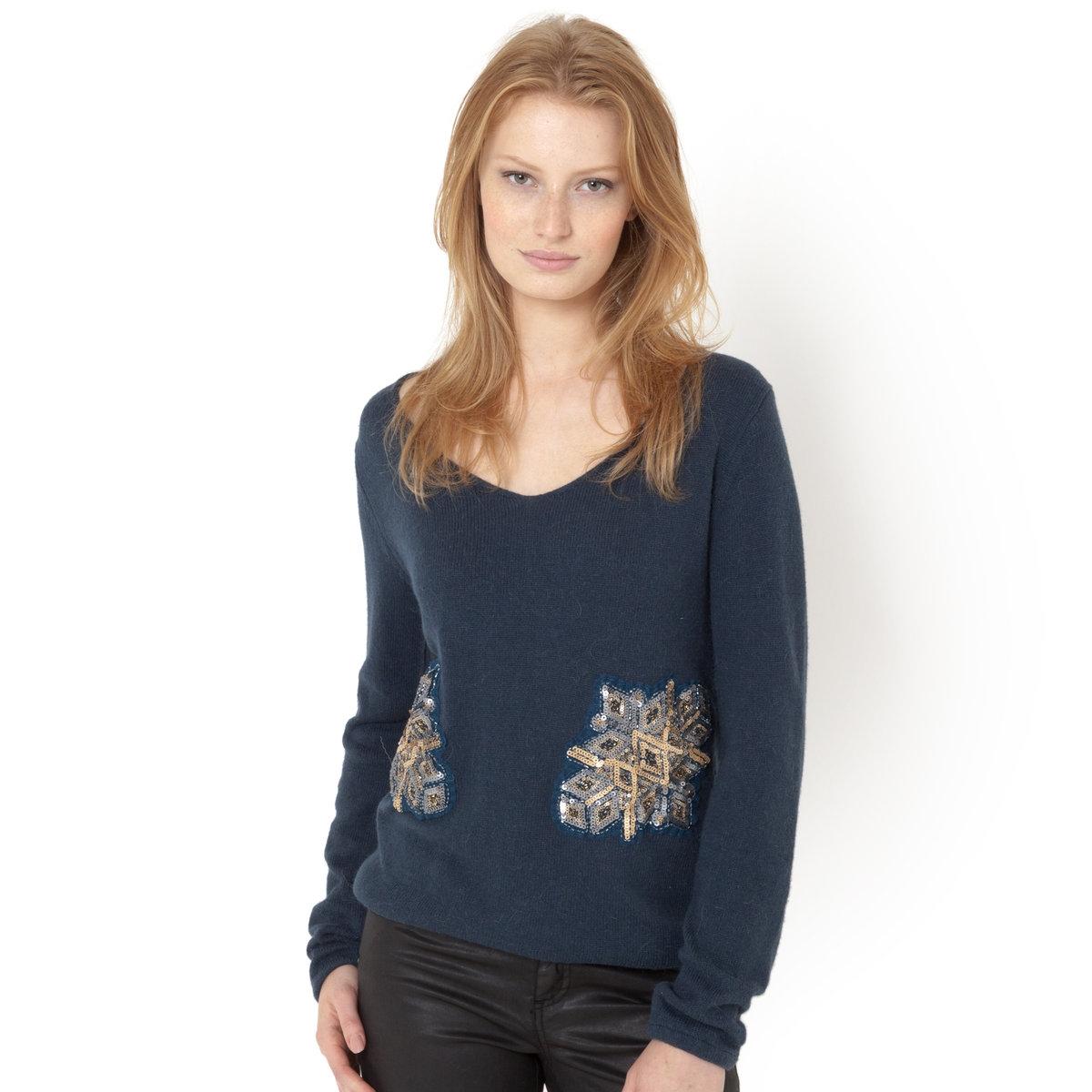 Пуловер с украшениемПуловер с украшением. Глубокий V-образный вырез. Длинные рукава. Края рукавов и низа собраны внизу. 40% хлопка, 40% полиамида, 15% вискозы, 5% альпаки.Длина ок.64 см.<br><br>Цвет: розовый пастельный,синий