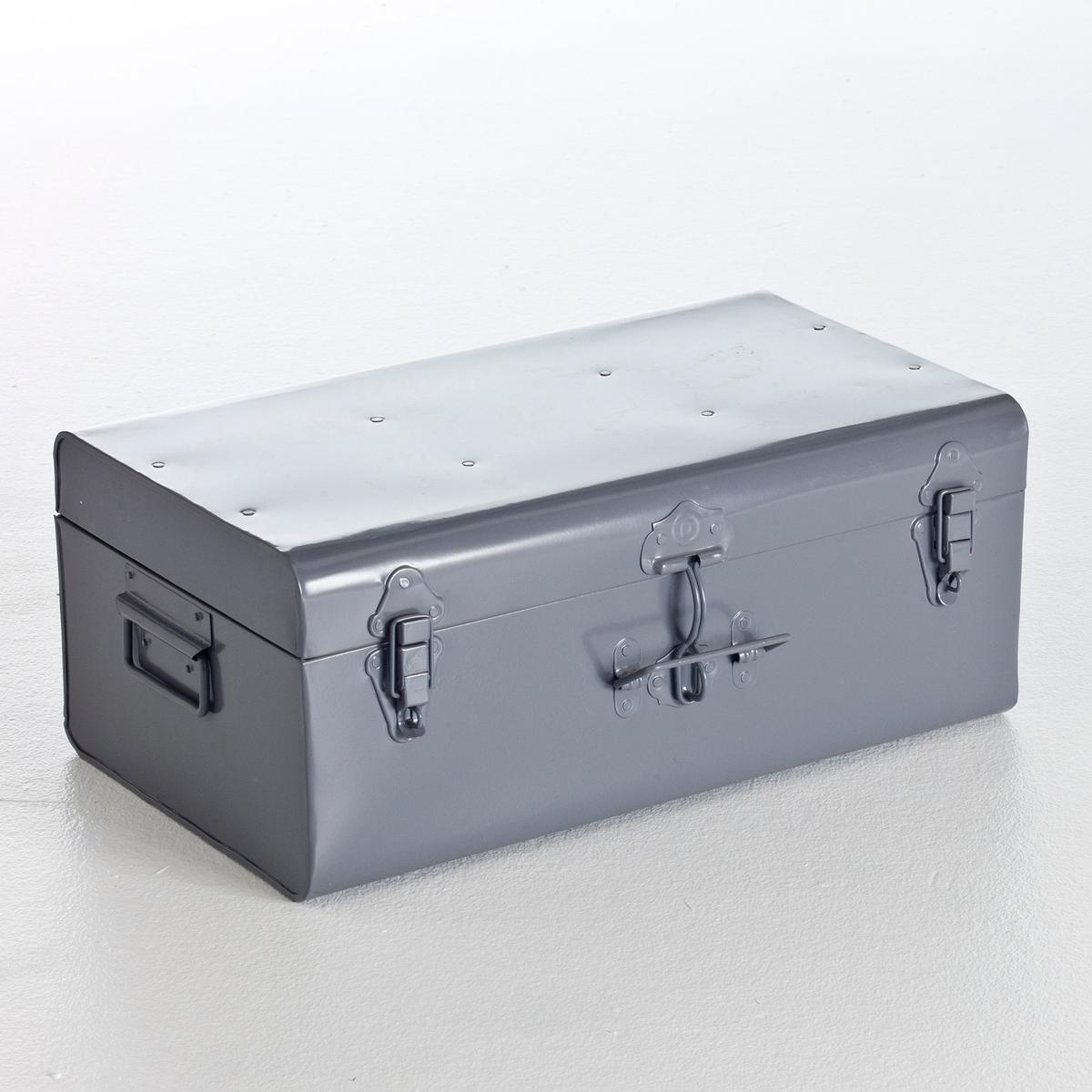 Сундук-чемодан из металла, MasaОписание сундука-чемодана Masa  :3 ручки по бокам : боковая + 1 спереди . 2 застежки-защелки и 1 застежка с запорным устройством по центру . Характеристики сундука-чемодана Masa :Из металла, покрытого яркой эпоксидной краской сверху . Найдите другие модели коллекции Masa на нашем сайте .Размеры сундука-чемодана Masa :Ширина : 49 см Высота : 19 см.Глубина : 30 смРазмеры с упаковкой :1 упаковка56 x 28 x 35 см .<br><br>Цвет: серый,черный<br>Размер: единый размер