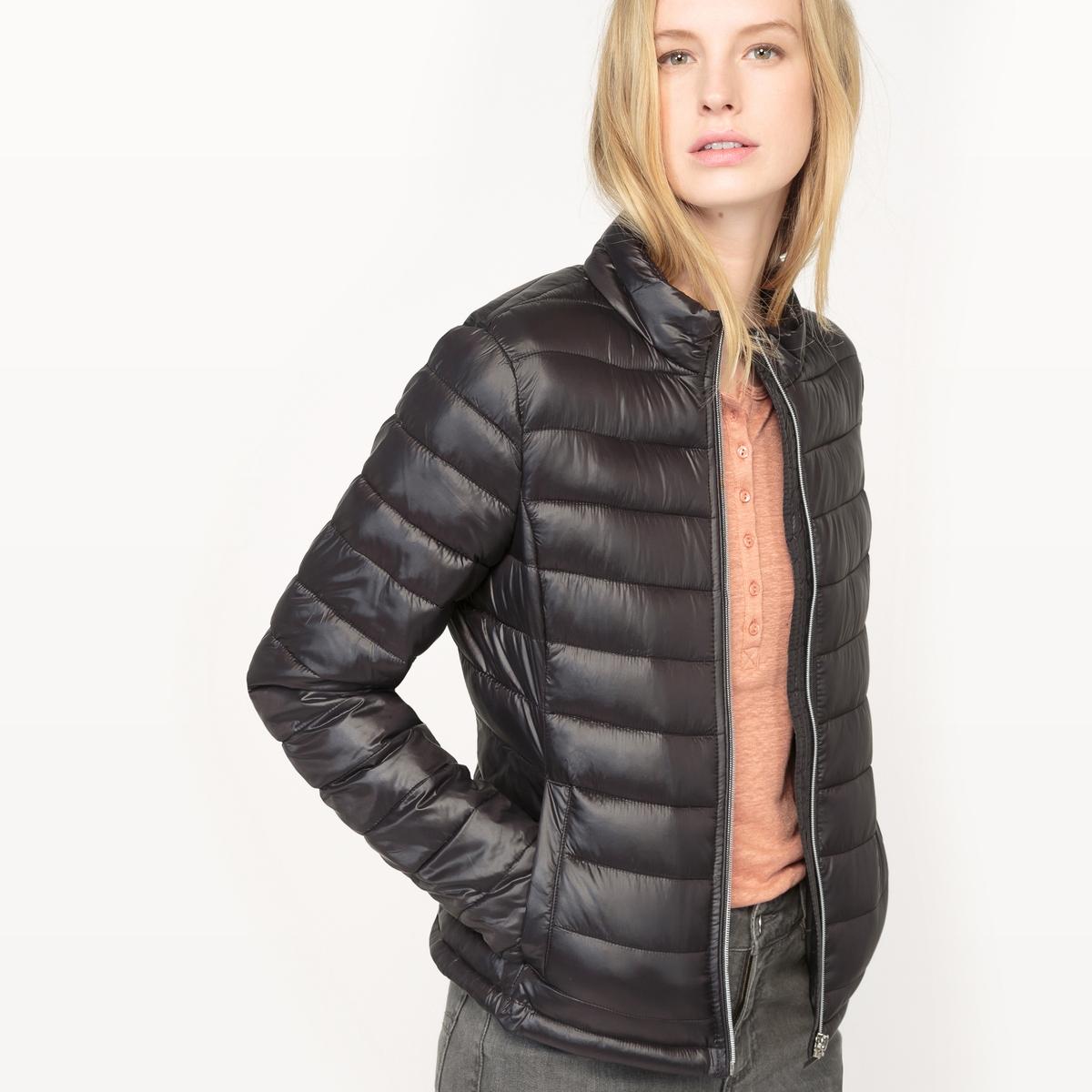 Куртка стеганая тонкаяМатериал : 100% полиамид  Тип застежки : застежка на молнию   Форма воротника : круглый вырез  Длина куртки : короткая  Рисунок : однотонная модель<br><br>Цвет: светло-розовый,черный