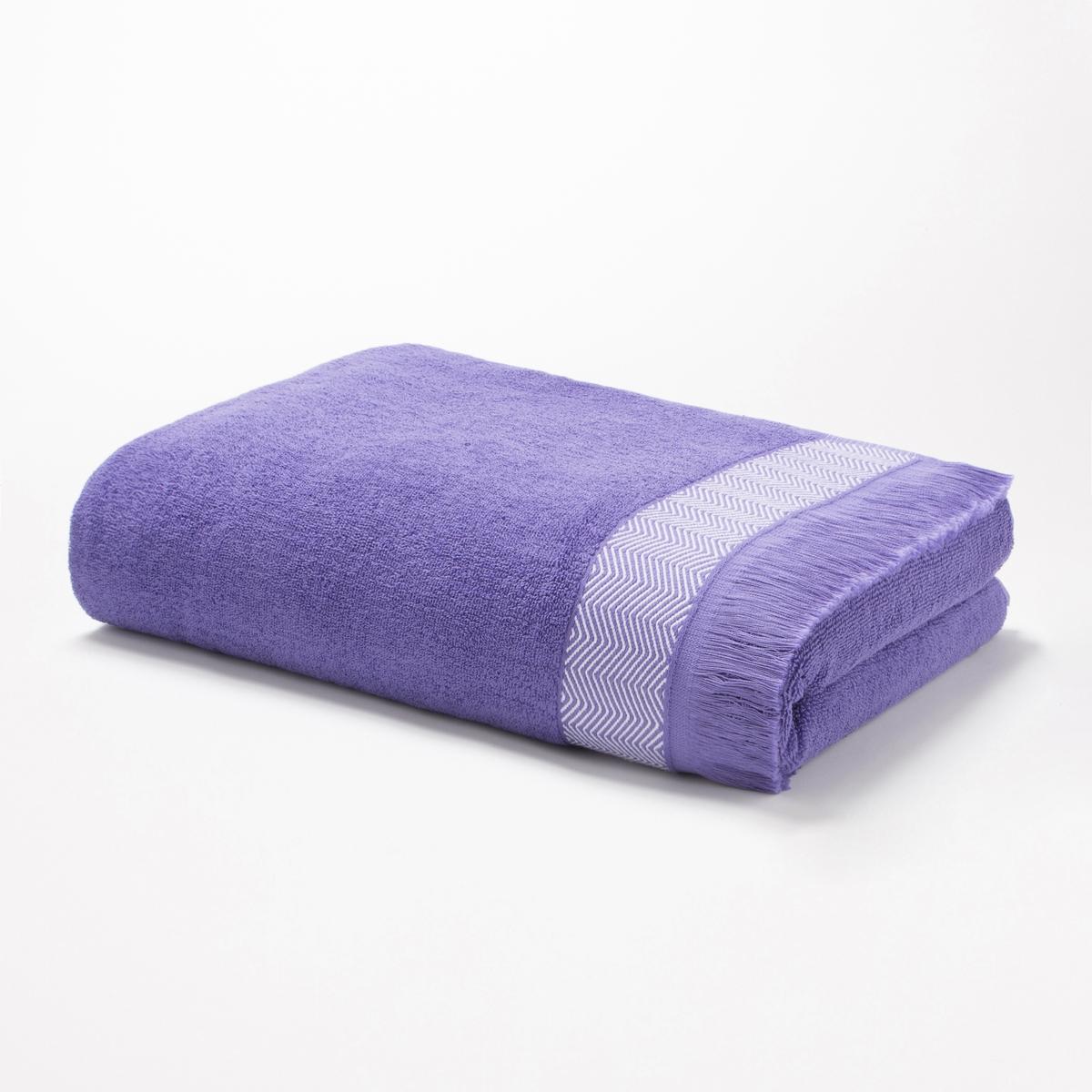 Полотенце банное большое, 500 г/м? - FringesБольшое банное полотенце светло-сиреневого цвета, отделка бахромой, пышное полотенце с исключительной впитывающей способностью. Характеристики большого банного полотенца Fringes :Ткань букле, 100% хлопокОтделка бахромой, края с зигзагообразным орнаментомМашинная стирка при 60 °СРазмеры большого банного полотенца Fringes :100 x 150 смМодель белого цвета представлена на сайте laredoute.ru<br><br>Цвет: синий