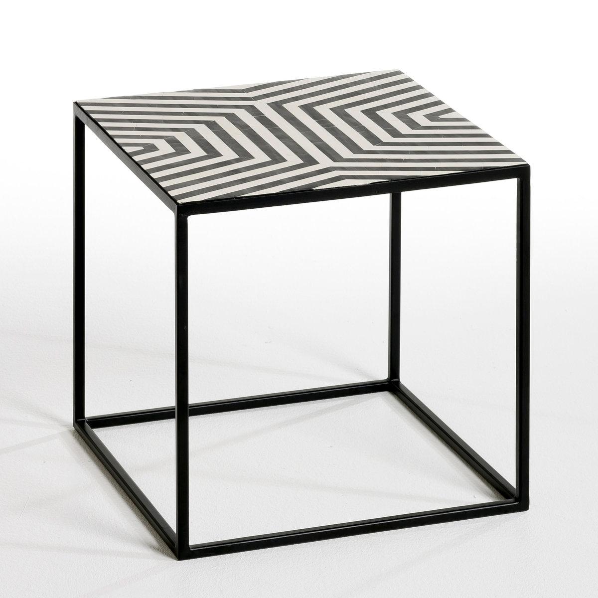 Столик G?om?trieЖурнальный столик или... маленький низкий стол . Симпатичный графический стиль, идеален, чтобы привнести оригинальность в интерьер !Каркас из металла черного цвета . Пластиковая столешница . Размеры. .40 x .40 x .40 см.<br><br>Цвет: черный/ белый