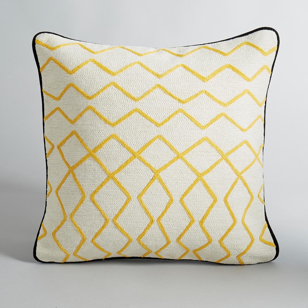 Чехол на подушку AlazieКрасивый графичный рисунок. 100 % хлопка. Вышивка по всей верхней поверхности.Отделка контрастным кантом.Скрытая застежка на молнию. Размеры:. 40 x 40 см.<br><br>Цвет: белый/ желтый/ черный,черный/белый/желтый<br>Размер: 40 x 40  см.40 x 40  см