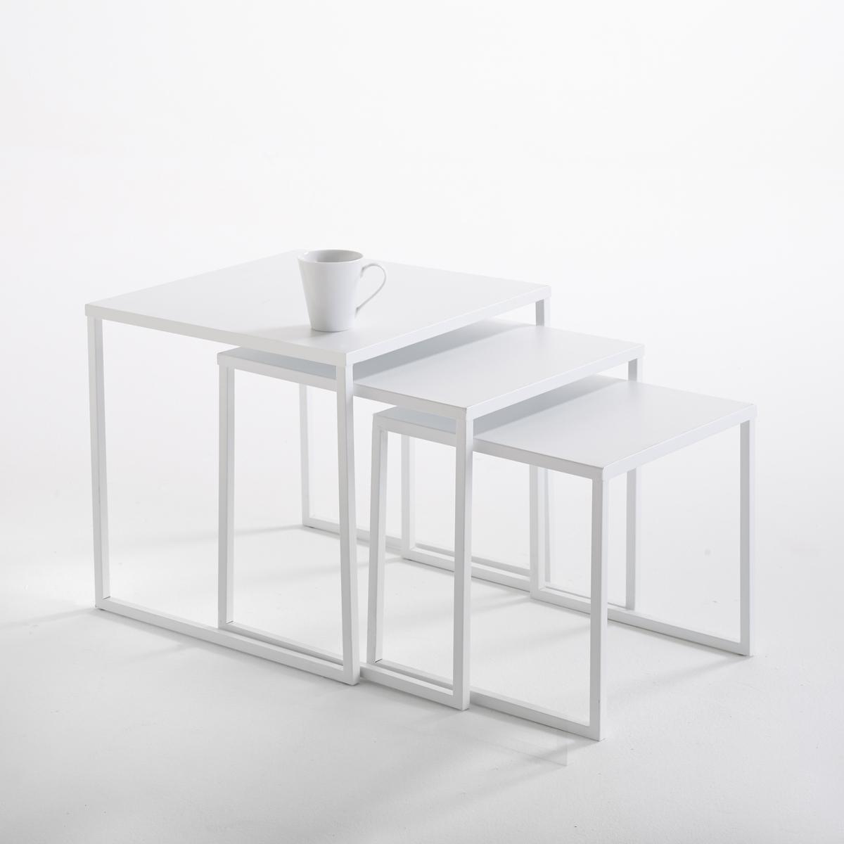 Комплект из 3 журнальных столиков Hiba, вдвигающихся один в другой, из стали3 столика Hiba, вдвигающихся один в другой, из лакированной стали. Очень модный промышленный стиль, небольшие практичные журнальные столики можно использовать все вместе или по отдельности. Описание 3 столиков Hiba, вдвигающихся один в другой, из лакированной стали :3 столика разных размеровХарактеристики 3 столиков Hiba, вдвигающихся один в другой, из лакированной стали :Сталь, покрытая матовым эпоксидным лаком белого цветаДругие предметы мебели из коллекции Hiba вы можете найти на сайте laredoute.ruРазмеры 3 столиков Hiba, вдвигающихся один в другой, из лакированной стали :Большой столик Ширина : 45 смВысота : 45 смГлубина : 45 смСредний столикШирина : 40 смВысота : 40 смГлубина : 40 смМаленький столик Ширина : 35 см.Высота : 35 смГлубина : 35 смРазмеры и вес упаковки :1 упаковкаШ.51 x В.50 x Г.51 см10 кгДоставка: Продается в собранном виде. Возможна доставка до двери при предварительной договоренности!<br><br>Цвет: белый<br>Размер: единый размер