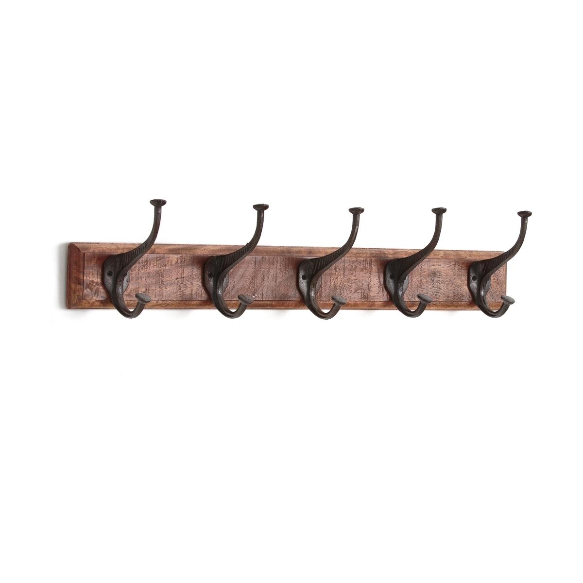 Вешалка настенная, 5 двойных крючковНастенная вешалка с 5 двойными крючками La Redoute Interieurs.Описание настенной вешалки с 5 двойными крючками:• Основа из крашеного массива мангового дерева• 5 двойных крючков из состаренного металла• шурупы и дюбели в комплект не входятРазмеры вешалки AGAMA :  • 63 x 11 см• Высота 14 смВсю коллекцию вы можете найти на сайте laredoute. Настенная вешалка с 5 двойными крючками продается в собранном видеРазмеры и вес упаковки:1 коробка70 x 18 x В.16 см2 кг<br><br>Цвет: серо-бежевый