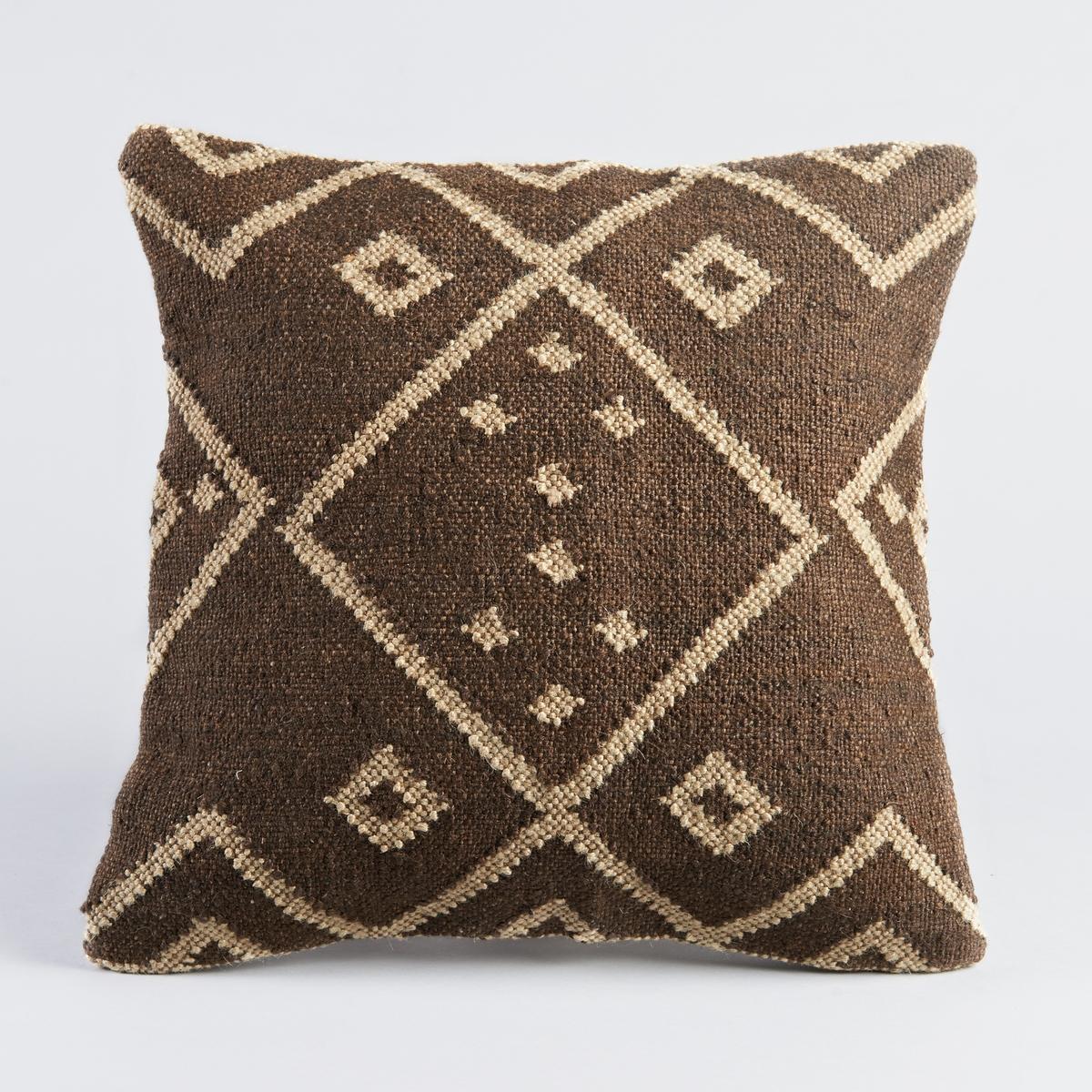 Чехол для подушки IsmaЧехол для подушки с коричнево-бежевым рисунком. Застежка на молнию. Внутренняя подкладка.  Материал :- 75 % джута, 25 % шерсти. Спинка цвета экрю, 100% хлопка. Размер : - 45 x 45 см.<br><br>Цвет: каштановый<br>Размер: 45 x 45  см