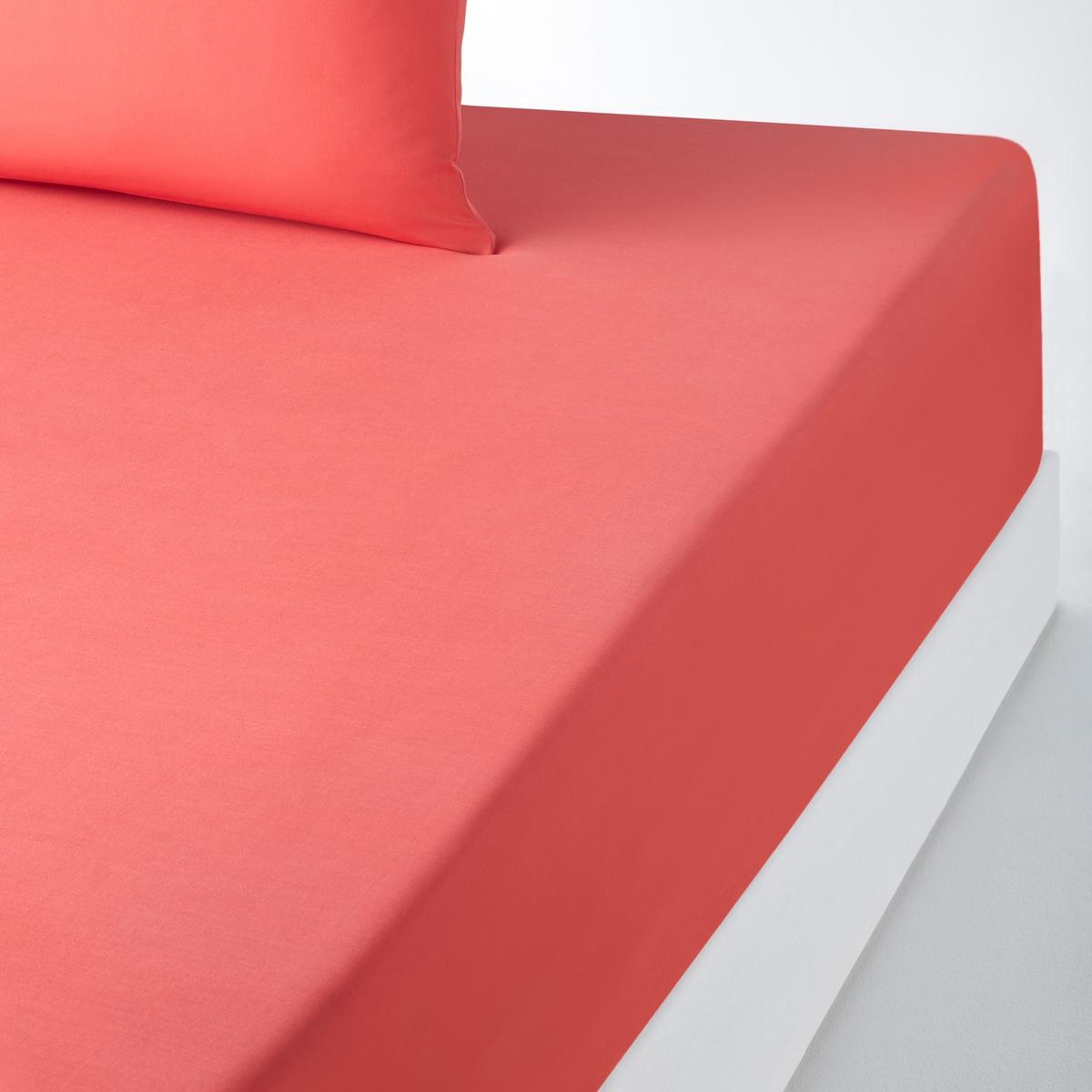 Натяжная простыня из поликоттона, специально для толстых матрасовНатяжная простыня из красивой ткани 50% хлопка, 50% полиэстера с плотным переплетением нитей, ультра мягкой и комфортной. Специально создана для толстых матрасов шириной до 30 см (клапан 32 см).Красивая гамма цветов SCENARIO позволяет создавать комплекты по настроению !Характеристики натяжной простыни из поликоттона для толстых матрасов :- Натяжная простыня из красивой ткани 50% хлопка, 50% полиэстера с плотным переплетением нитей (57 нитей/см? : чем больше плотность переплетения нитей/см?, тем качественнее материал), ультра мягкой и комфортной. - Специально создана для толстых матрасов шириной до 30 см (клапан 32 см).- Отличная стойкость цветов к стиркам (60 °С).- Глажка не требуется.Знак Oeko-Tex® гарантирует, что товары протестированы и сертифицированы, не содержат вредных веществ, которые могли бы нанести вред здоровью. Натяжная простыня  :90 x 190 см : 1-сп.140 x 190 см : 2-сп.140 x 200 см : 2-сп.160 x 200 см : 2-сп.180 х 200 см : 2-сп.Откройте для себя всю коллекцию постельного белья SC?NARIO на нашем сайте<br><br>Цвет: смородиновый<br>Размер: 90 x 190  см.140 x 200  см