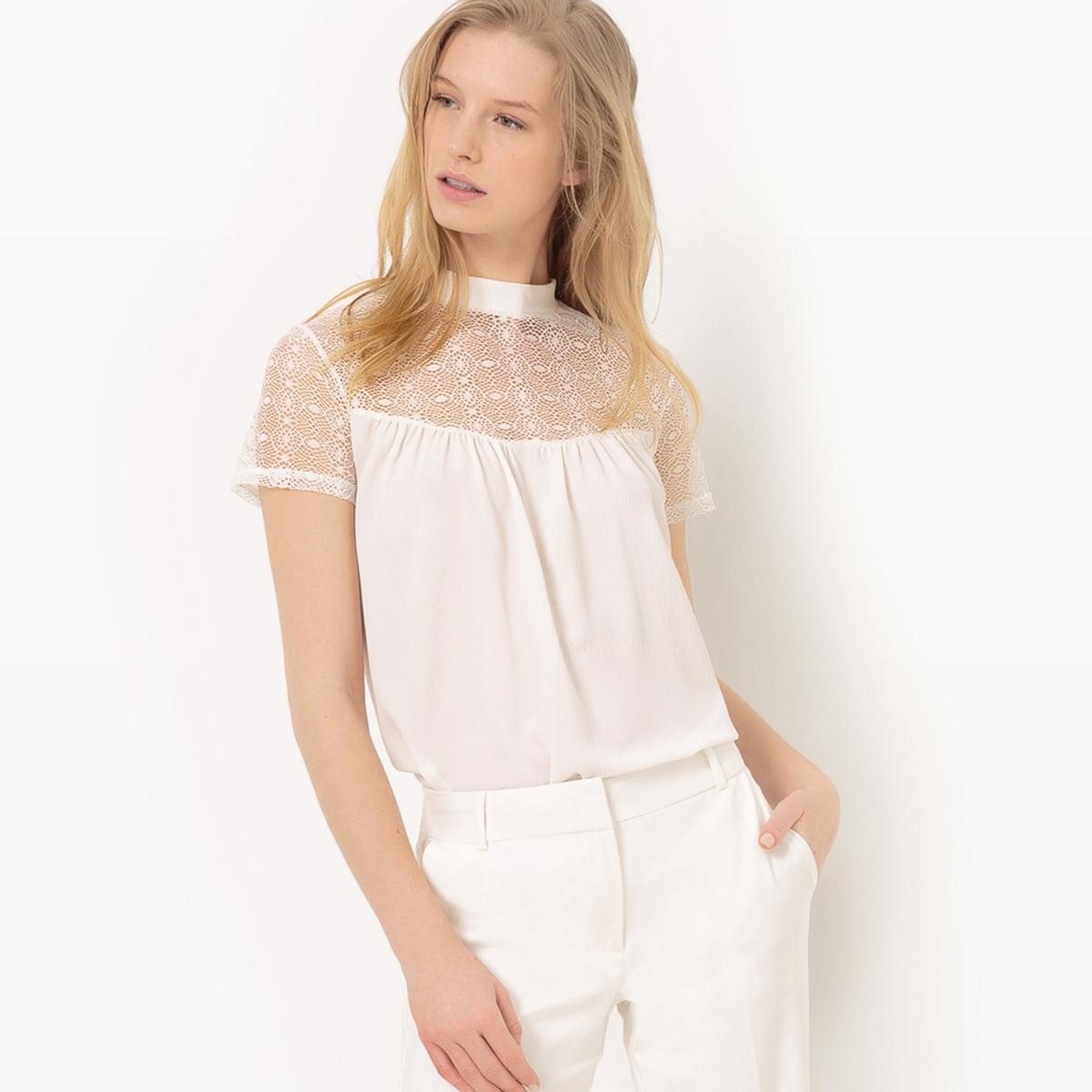Блузка с короткими рукавами и кружевной вставкой