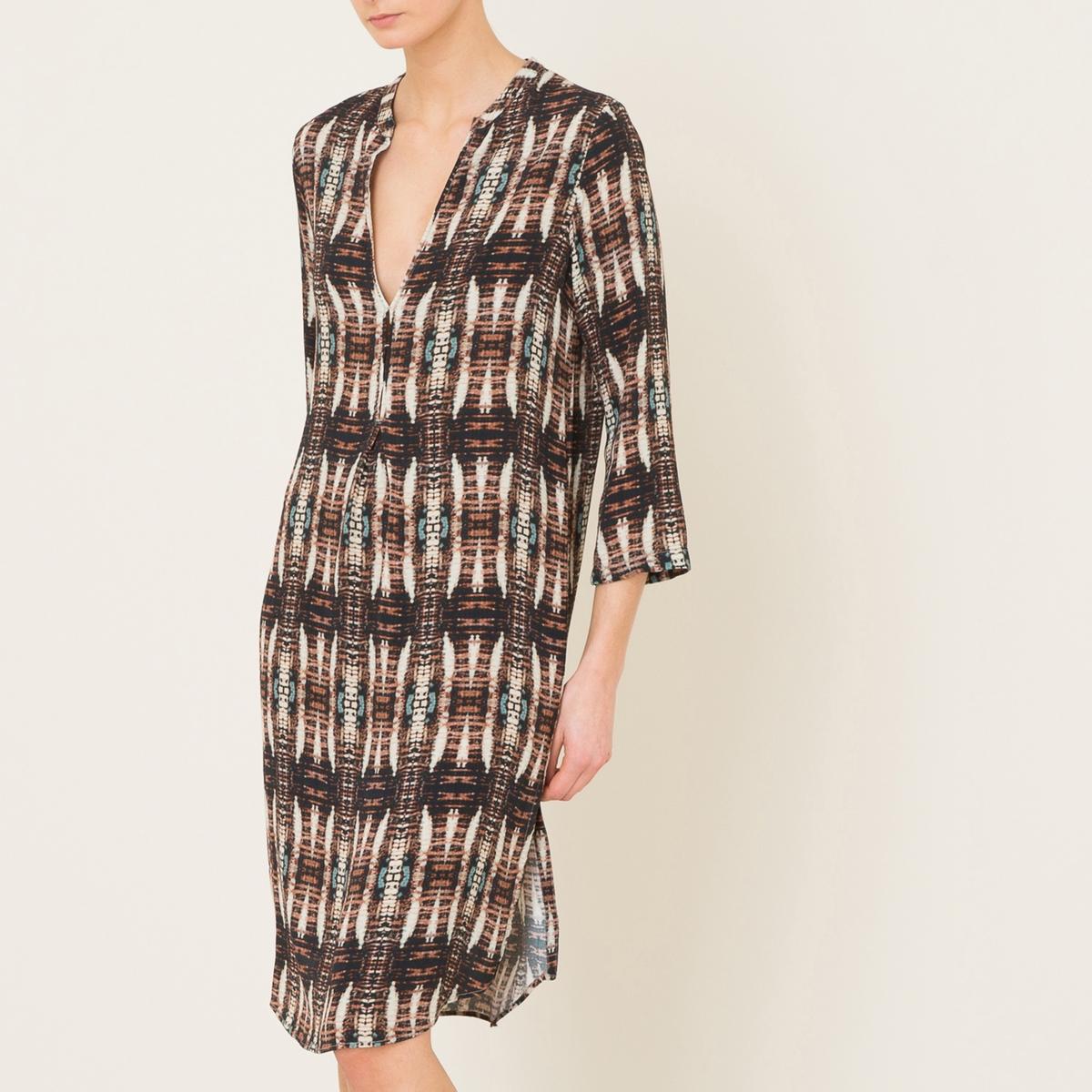 Платье  ROANAПлатье до колен DIEGA  - модель ROANA свободной формы с разрезами по бокам, из струящейся вискозы со сплошным рисунком. Вырез с V-образным разрезом спереди. Длинные рукава. Разрезы по бокам. Объемный покрой.Состав и описание    Материал : 100% вискоза   Марка : DIEGA<br><br>Цвет: рисунок черный<br>Размер: XS