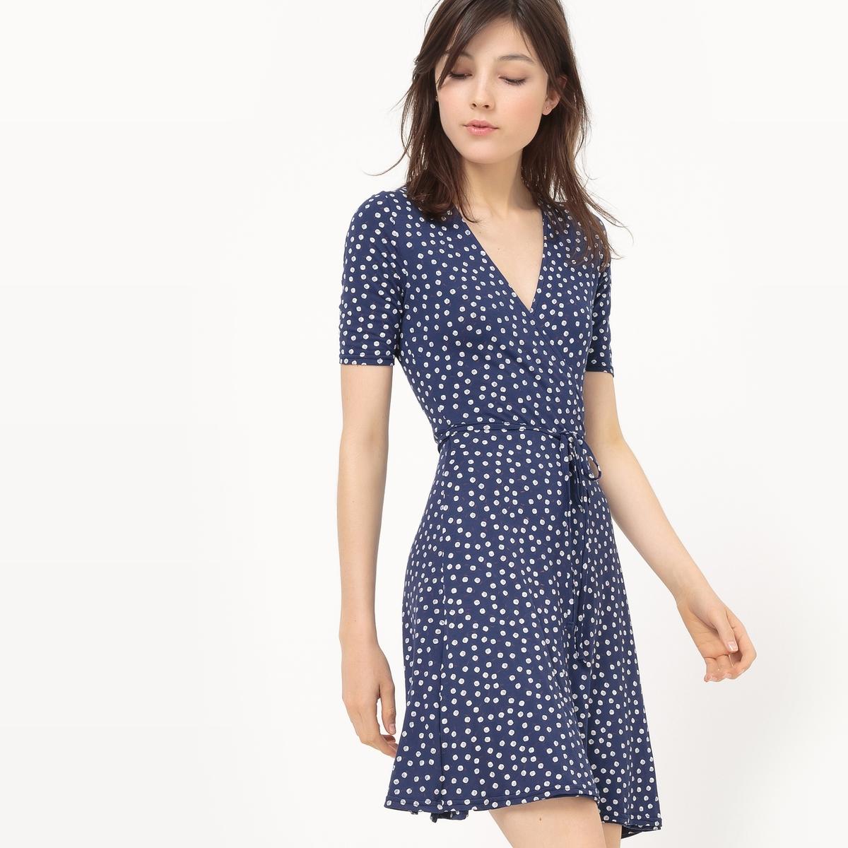 Платье с запахом из трикотажа