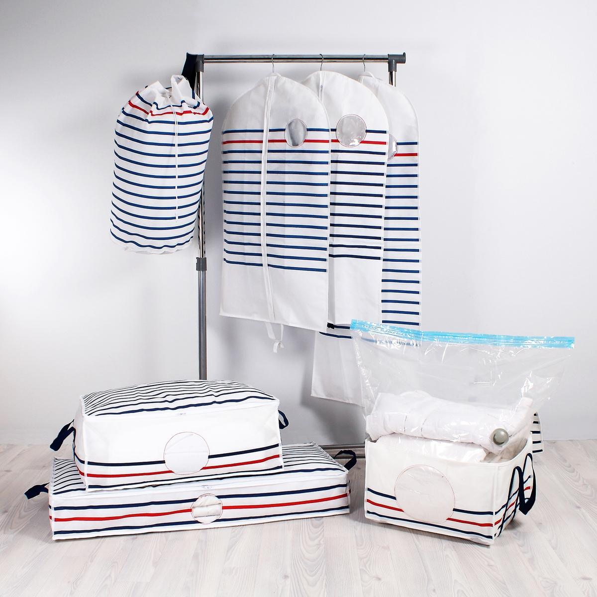 Комплект из 2 чехлов для одежды BazilХраните одежду и организуйте пространство с помощью защитных чехлов с принтом в морском стиле. Комплект из 2 чехлов. Подходят для длинной одежды. Характеристики чехла:- Нетканый, 100% полипропилена, с принтом в голубую/красную полоску на белом фоне.- 2 ручки для переноски позволяют сложить чехол вдвое, отверстие для вешалки-плечиков.- Застежка на молнию.- Прозрачная вставка.Размеры чехла:Ширина 60 см.Высота 135 см (для пальто).Найдите все чехлы для хранения Bazil на сайте laredoute.ru.<br><br>Цвет: в полоску белый/темно-синий