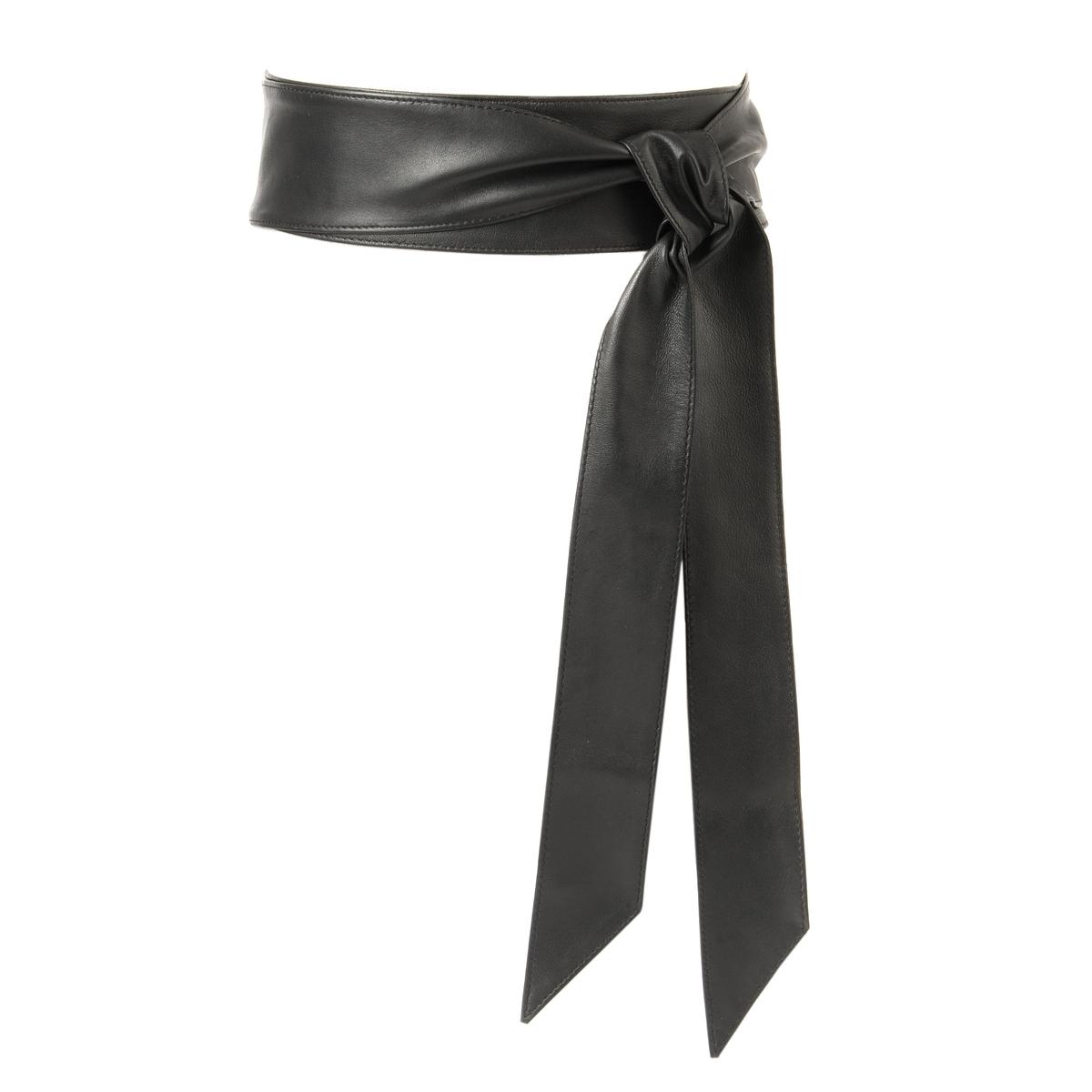 Пояс широкий из кожиШирокий кожаный пояс завязывается на талии в 1 или 2 оборота: очень женственный, подчеркивающий талию, можно носить с платьем, блузкой...Состав и описание : Широкий кожаный пояс на завязкахМатериал : 100% кожа.Размеры : ширина 5 смОхват пояса: 60-150 смЗастежка : на завязках<br><br>Цвет: черный<br>Размер: 100 см