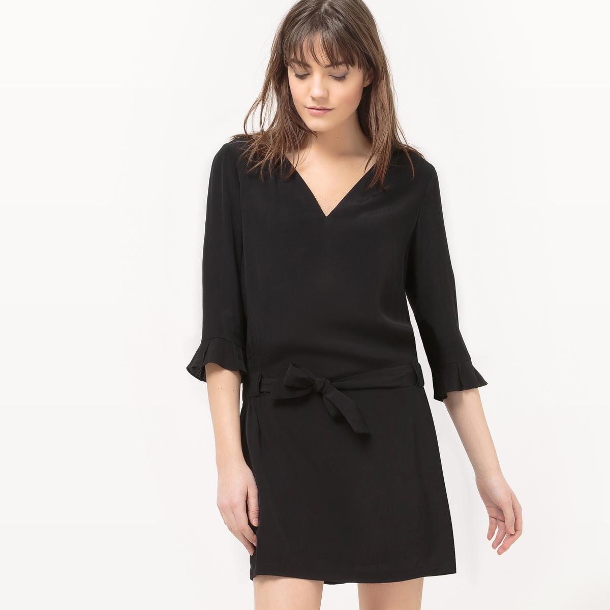 Платье из струящейся ткани с поясом платье без рукавов с декором see u soon