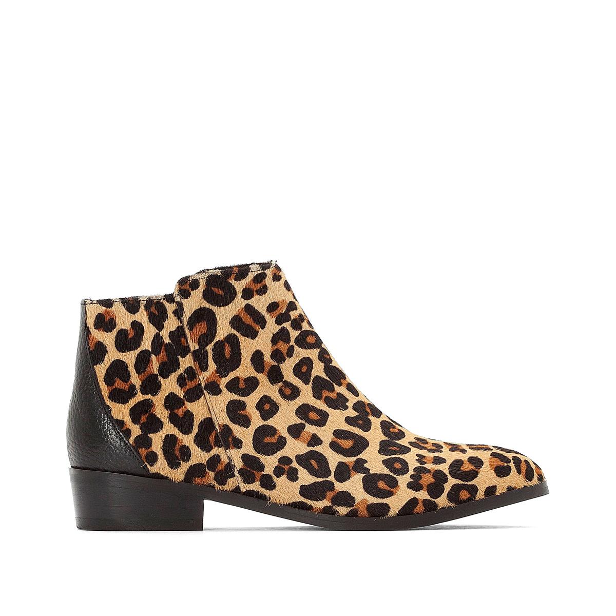 Botines de piel de dos tejidos con estampado leopardo