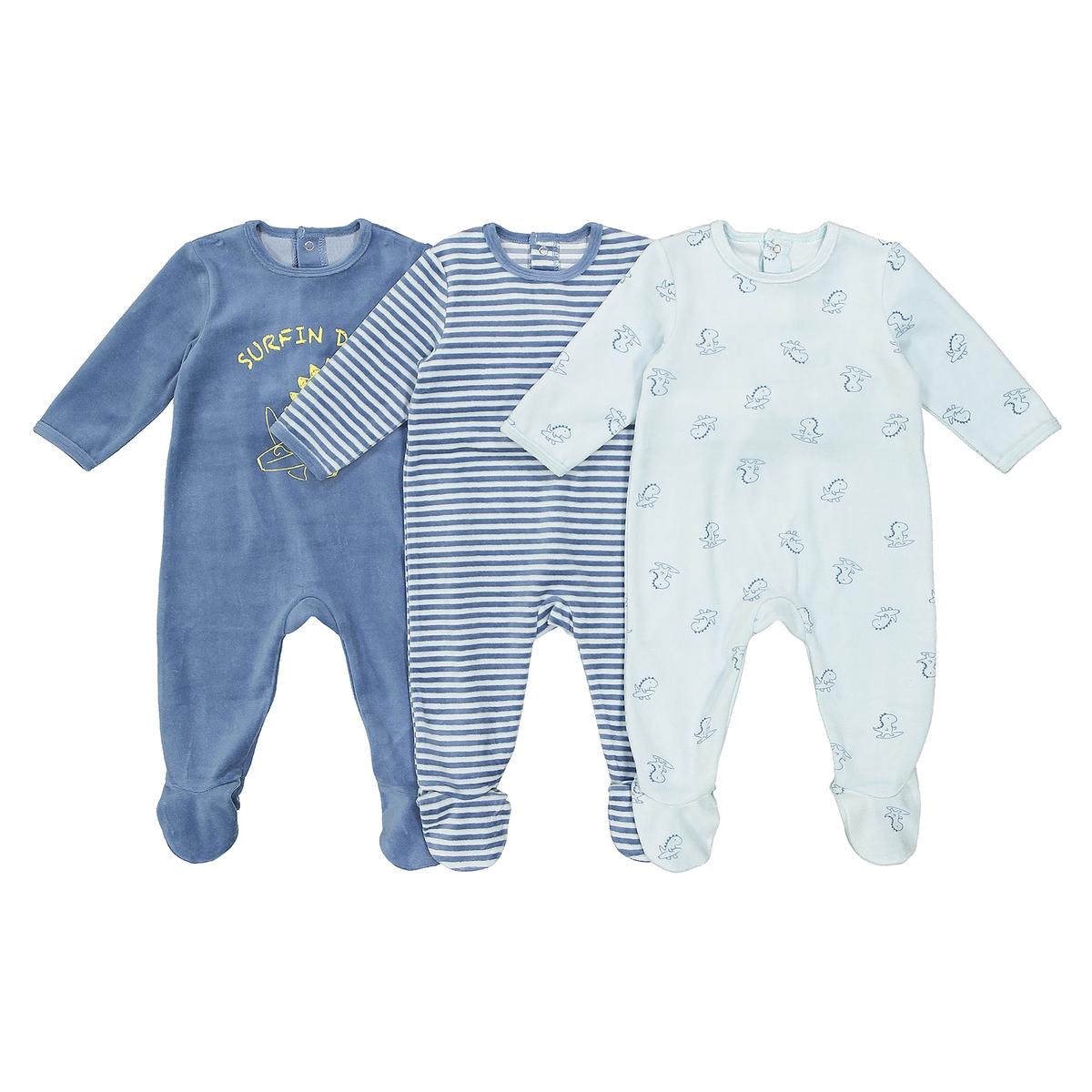3 пижамы из велюра, 0 мес - 3 летОписание:Комплект из 3 велюровых пижам. В тройном размере...это лучше ! Можно менять их в течение ночи...Детали • Пижама с длинными рукавами и брючинами .  • Комплект из 3 изделий  : 1 однотонная пижама с принтом спереди+ 1 пижама в полоску + 1 пижама с рисунком динозавры . •  Круглый вырез.  •Застежка на кнопки сзади и между ножек для легкости надевания .Состав и уход •  Материал : велюр: 75% хлопка, 25% полиэстера. •  Машинная стирка при 30° на умеренном режиме с изделиями схожих цветов. •  Стирать, сушить и гладить с изнаночной стороны. •  Машинная сушка на умеренном режиме. •  Гладить при низкой температуре.<br><br>Цвет: синий + серый<br>Размер: 2 года - 86 см.18 мес. - 81 см.9 мес. - 71 см.6 мес. - 67 см.3 мес. - 60 см.1 мес. - 54 см