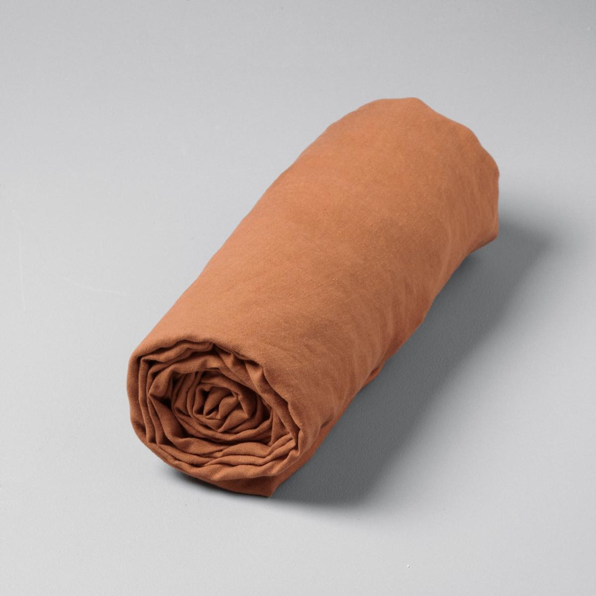 Натяжная простыня Helm из пенькиПенька - натуральный и экологичный материал обладает антибактериальными и противоаллергическими свойствами. Благодаря хорошей впитывающей способности, она позволяет поддерживать температурудля сохранения ощущения легкости и комфорта. Не требует глажения, с течением времени становится еще эстетичнее.Материал :- 100% пенька.Уход :- Машинная стирка при 40°.Размеры  :- Клапан 25 см.<br><br>Цвет: бледный сероватый сине-зеленый,зеленый кедровый,красное дерево,мокко,ореховый,песочный,светло-коричневый,серо-зеленый,синий,хаки темный,черный,экрю