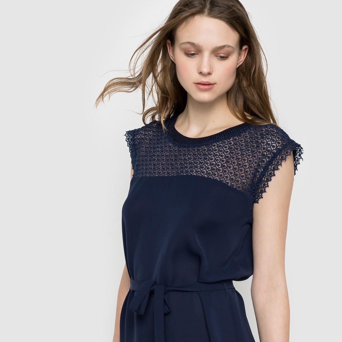 Платье с пышными рукавами SUNCOOПлатье с пышными рукавами SUNCOO. Платье прямое. Верх из кружева. Круглый вырез. Пояс с завязками.Состав и описание:Материал: 97% полиэстера, 3% эластана. На подкладке из 100% полиэстера.Марка: SUNCOO.<br><br>Цвет: синий морской<br>Размер: XS