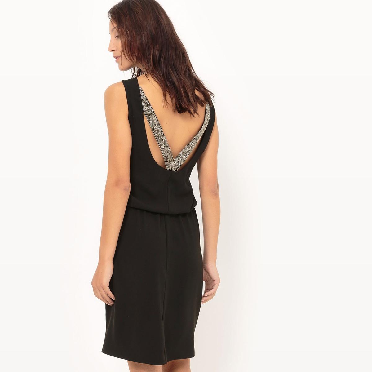 Платье для торжества со вставкой сзади