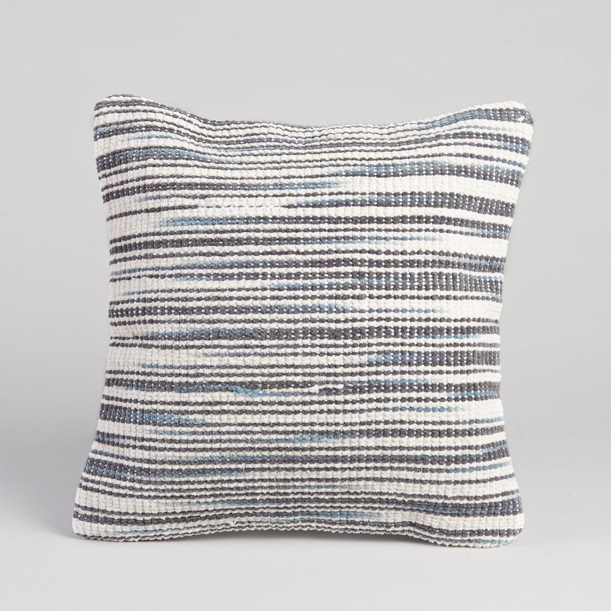 Чехол для подушки BiceЧехол для подушки Bice. Графичный рисунок в виде линий цвета экрю и синего. Застёжка на скрытую молнию сзади. Трикотаж, 83% хлопка, 14% полиэстера, 3% других волокон. Размер : 40 x 40 см.<br><br>Цвет: синий<br>Размер: 40 x 40  см