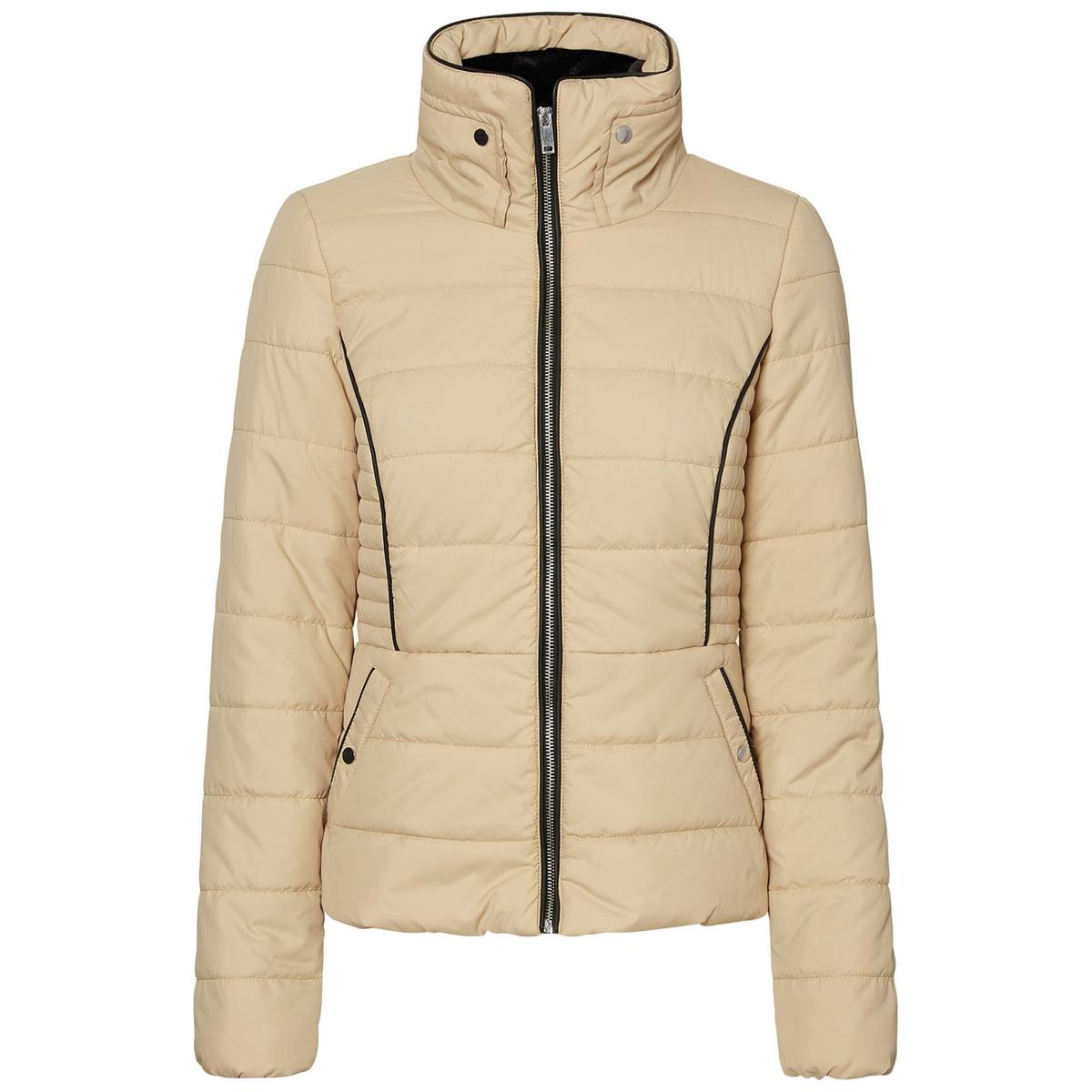 Пальто короткое стеганоеПальто в форме стеганой куртки VERO MODA,прекрасно защитит вас от холода . Стоячий воротник на подкладке из искусственного меха . Теплая подкладка. Карманы на кнопках.Детали •  Длина : укороченная  •  Воротник-стойка •  Застежка на молниюСостав и уход •  100% полиэстер •  Следуйте рекомендациям по уходу, указанным на этикетке изделия<br><br>Цвет: черный<br>Размер: S