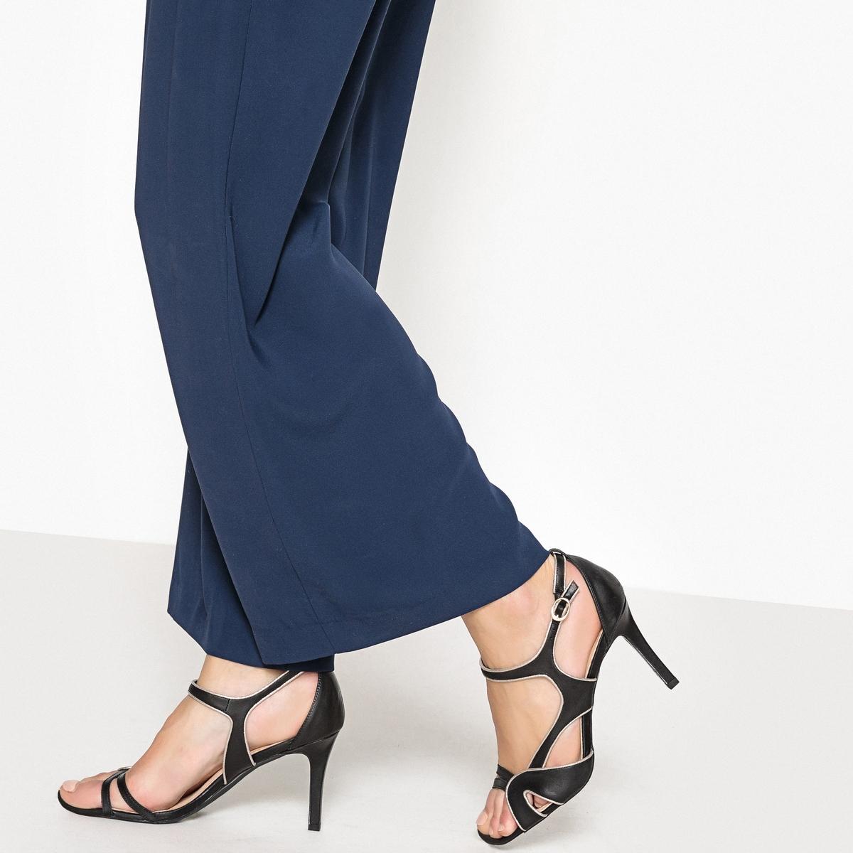 Sandalias de piel con correas asimétricas