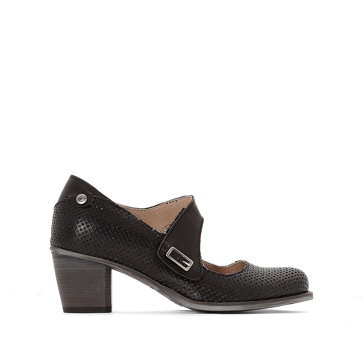 Туфли кожаные с пряжкой BeckyВерх : кожа   Подкладка : кожа   Стелька : кожа   Подошва : резина   Высота каблука : 5 см   Форма каблука : квадратный каблук   Мысок : закругленный мысок  Застежка : пряжка<br><br>Цвет: черный<br>Размер: 39