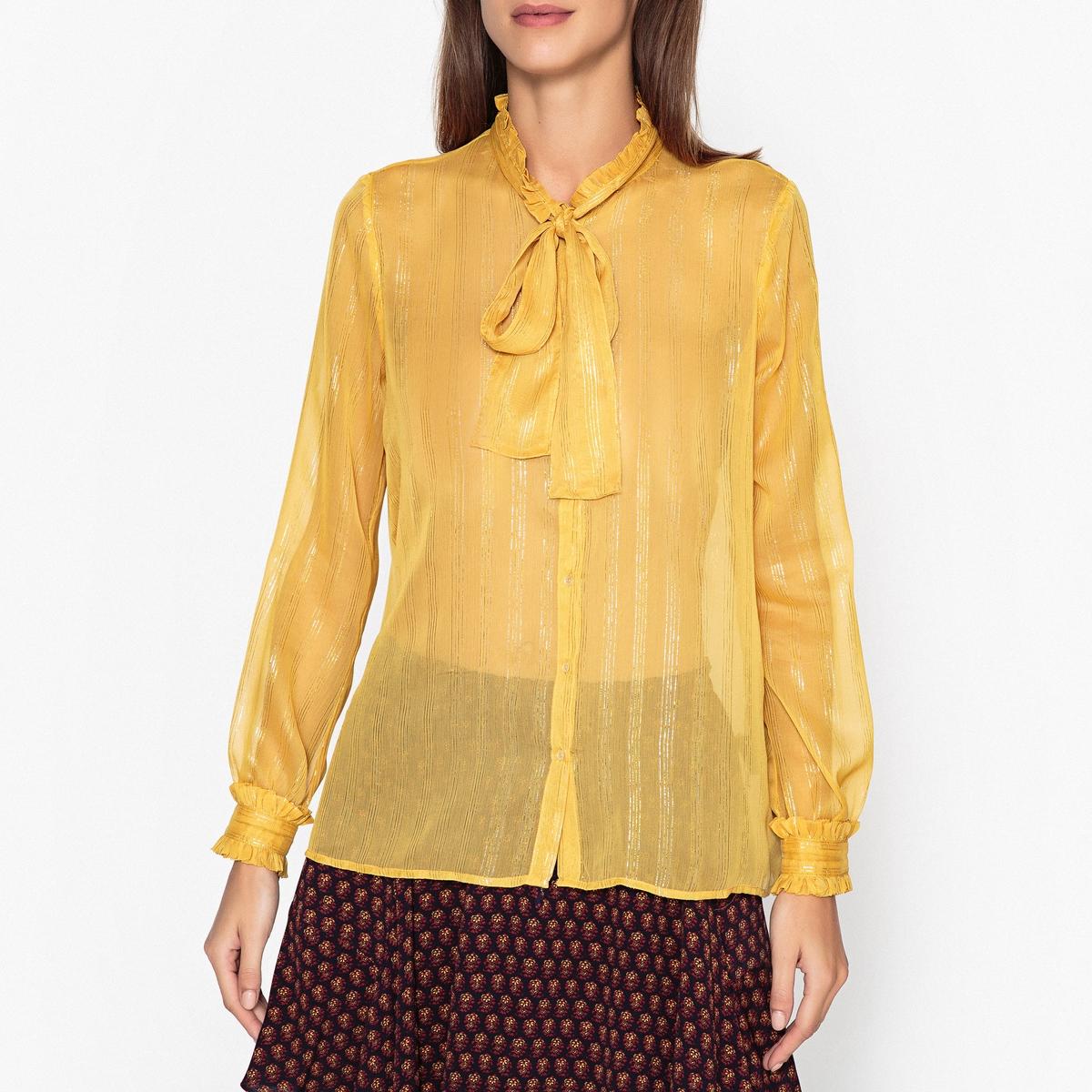 Рубашка с галстуком-бантомРубашка с длинными рукавами MAISON SCOTCH из прозрачной ткани в блестящую полоску. Галстук-бант и воланы на вырезе.Детали •  Длинные рукава •  Прямой покрой  •  Галстук-бантСостав и уход •  100% полиэстер •  Следуйте советам по уходу, указанным на этикетке •  Манжеты на пуговицах с отделкой воланами<br><br>Цвет: желтый<br>Размер: L