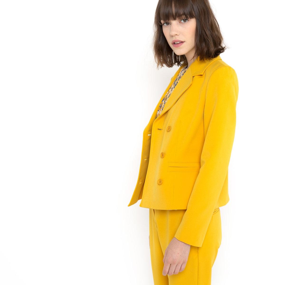 Пиджак из трикотажаПиджак в морском стиле для великосветской дамы...Пиджак из трикотажа. Застежка на перекрестные пуговицы. 100% полиэстера. Подкладка из 100% хлопка. Длина ок. 57 см.<br><br>Цвет: желтый шафран