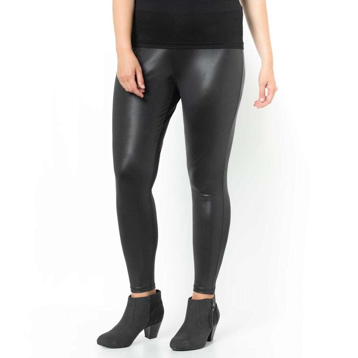 Леггинсы лаковые длинные, черного цветаЛеггинсы длинные, с лаковым эффектом. Модные и удобные в носке леггинсы, которые отлично сочетаются с туникой для создания образа в стиле рок. Очень удобный эластичный пояс. Лаковый эффект материала, 92% полиэстера, 8% эластана. Длина по внутр.шву 68 см.<br><br>Цвет: черный<br>Размер: 46/48 (FR) - 52/54 (RUS)