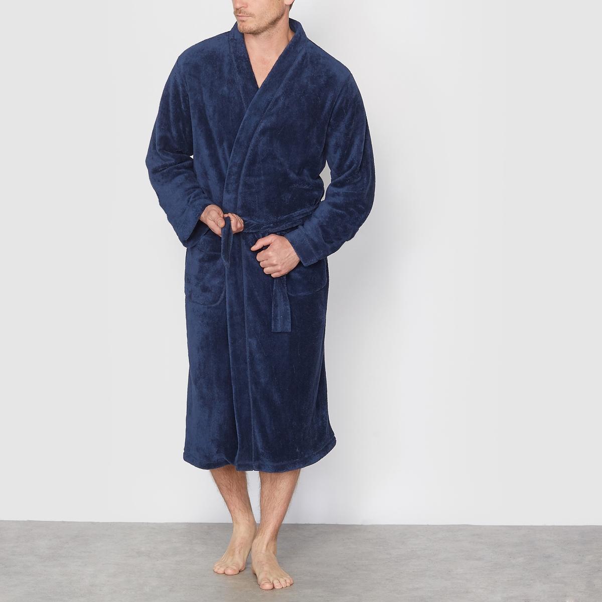 ХалатУльтрамягкий и ультралегкий плюшевый трикотаж, 100% полиэстера. Воротник-кимоно. 2 кармана спереди. Пояс в шлевках. Длина ниже колена.<br><br>Цвет: темно-синий