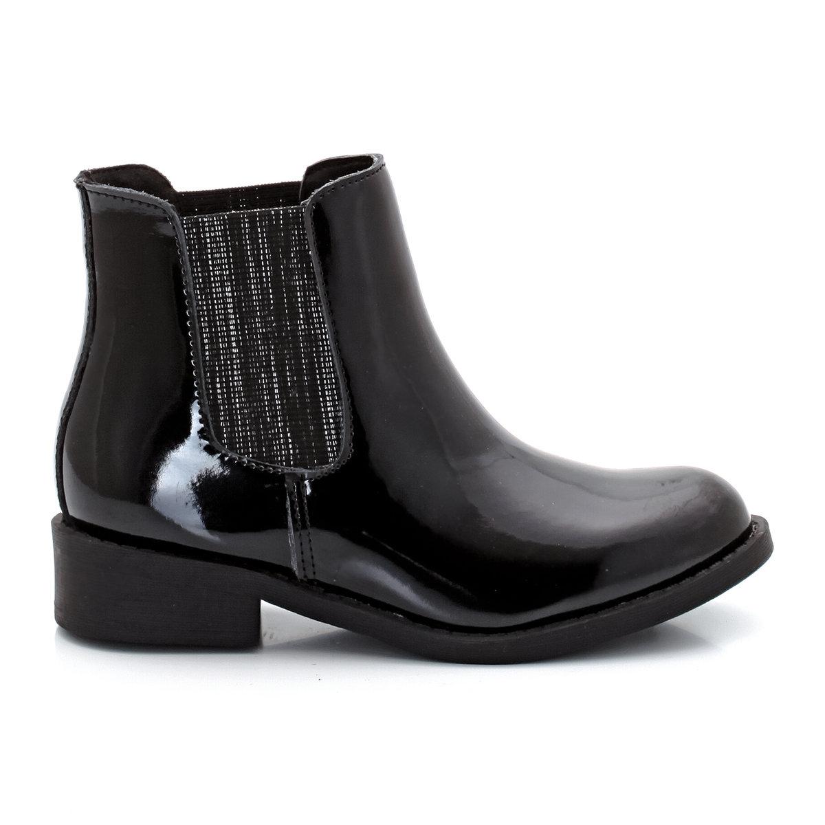 Ботинки-челси лакированныеПреимущества: : лакированная кожа подчеркивает стиль этих модных ботинок-челси, они легко надеваются благодаря эластичным металлизированным вставкам по бокамЭто модель для широкой стопы, поэтому мы советуем вам заказать ее на размер меньше вашего обычного размера.<br><br>Цвет: черный лак<br>Размер: 28