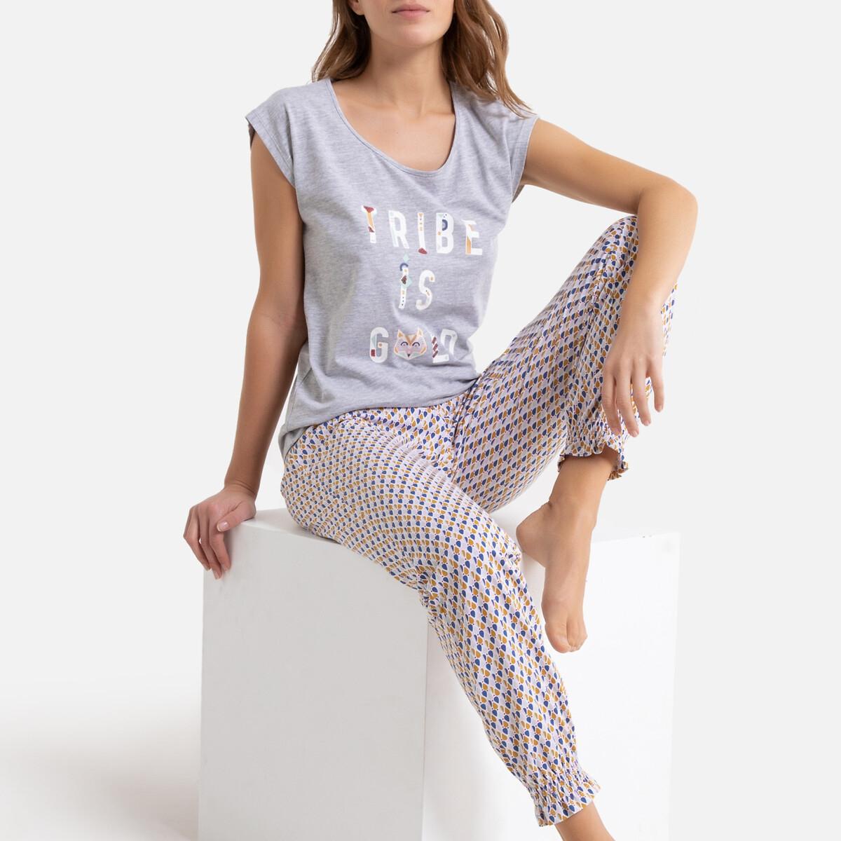 Pijama estampado con detalles brillantes en la camiseta