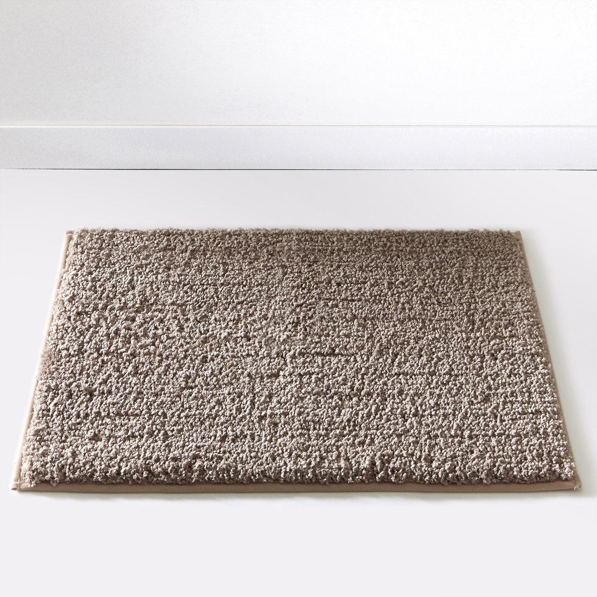 Коврик для ванной SCENARIOОчень удобный толстый коврик для использования рядом с душем или ванной, великолепное качество от Sc?nario, - это гарантия удовольствия, которое останется с вами надолго.Состав коврика для ванной Scenario:Пушистая одноцветная микрофибра, 1500 г/м2.100% полиэстера.Есть версия в форме под раковину 40х50 см и прямоугольной формы 50x70 см и 60x100 см. 7 цветов: бежевый / белый / голубой / темно-серый / черный / зеленый анисовый / фиолетовый сливовый.<br><br>Цвет: серо-бежевый,фиолетовый/ сливовый,черный<br>Размер: 40x50 cm