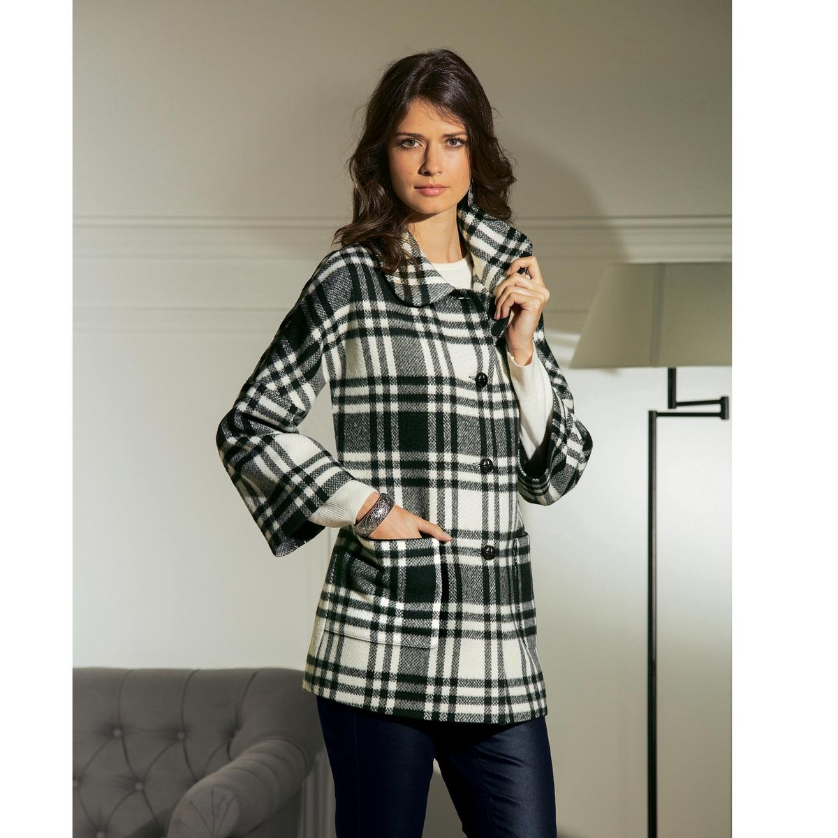 Пальто короткоеКороткое изысканное и модное пальто, идеально смотрится поверх маленького черного платья, добавляет элегантности в наряд с джинсами. Рубашечный воротник. 2 накладных кармана с прорезями с имитацией под кожу. Рукава 7/8. Драп: 35% шерсти, 55% полиэстера, 10% других волокон.Подкладка из полиэстера. Длина ок. 73 см.<br><br>Цвет: в клетку белый/черный