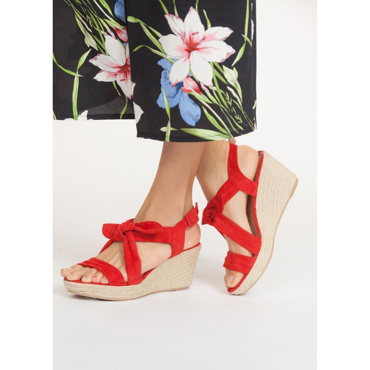 Sandales compensées brides croisées nouées