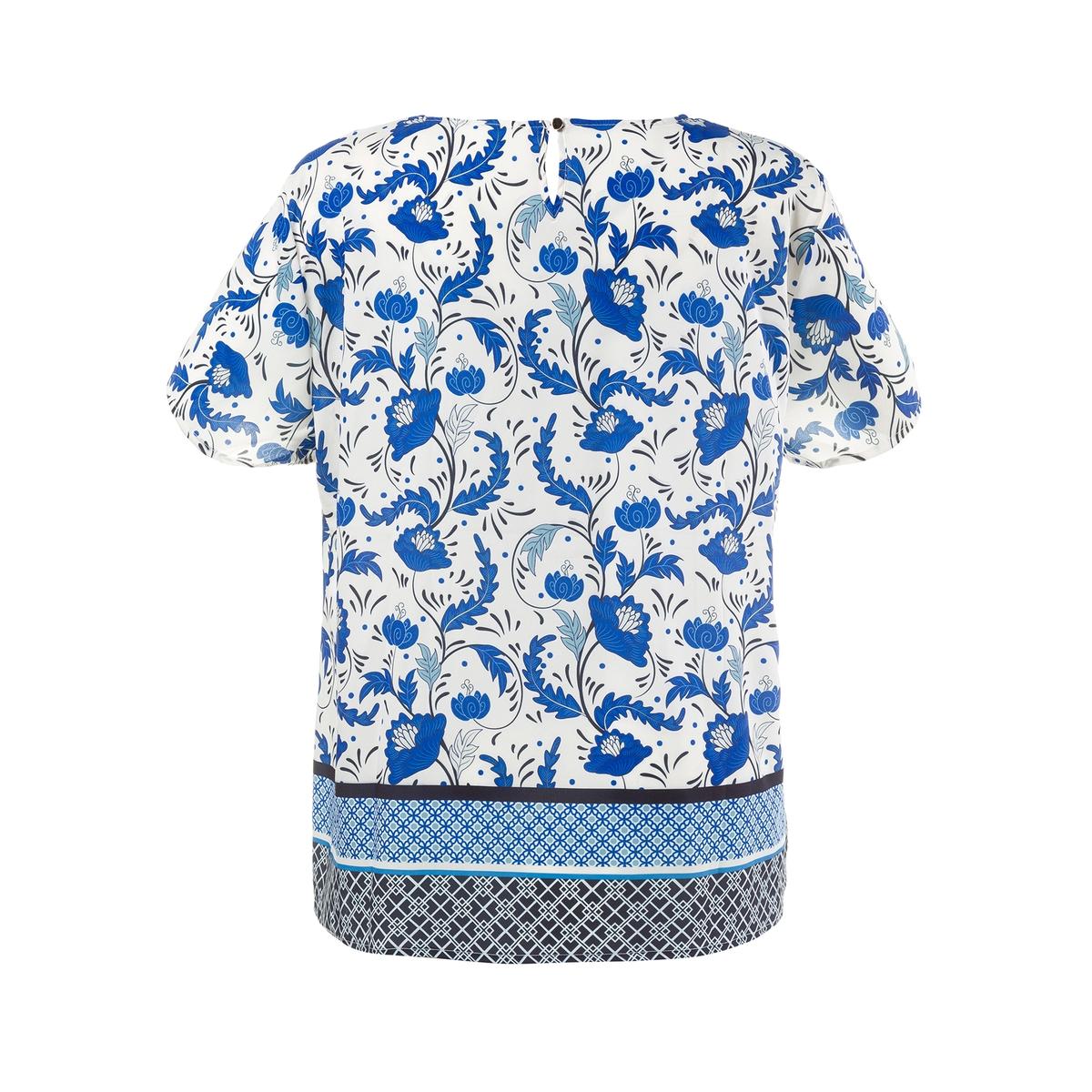 БлузкаБлузка с цветочным рисунком ULLA POPKEN. Очень модная блузка с планкой по низу. Легкий уход: глажка после стирки не требуется. Закругленный вырез с разрезом и застежкой на пуговицу сзади. Короткие рукава. 100% полиэстер. Длина в зависимости от размера. 68-78 см<br><br>Цвет: набивной рисунок