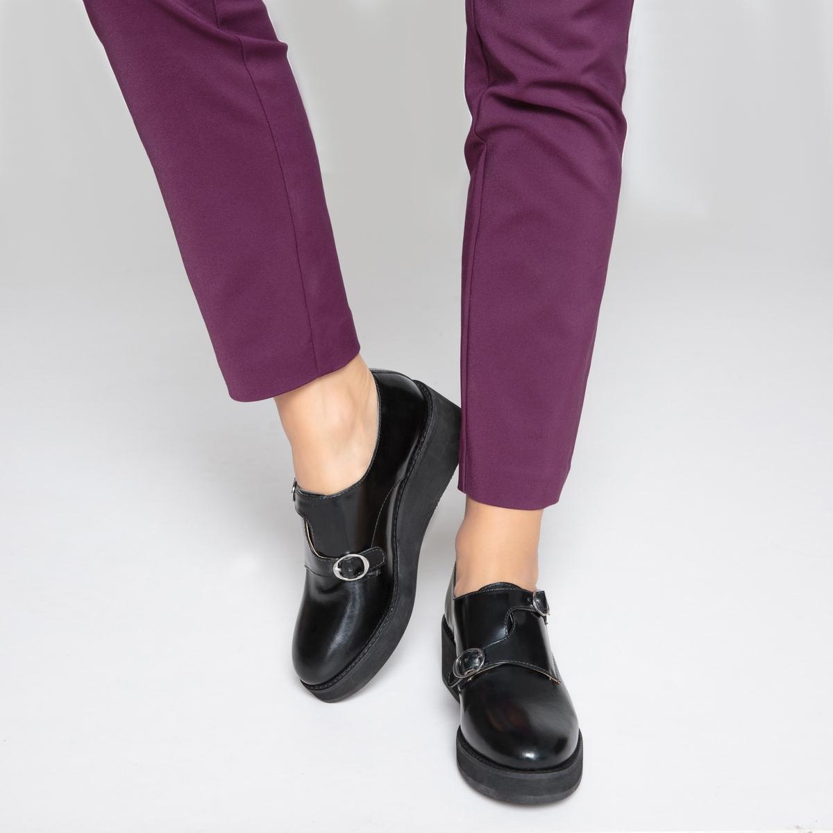 Ботинки-дерби кожаные на танкетке с пряжками