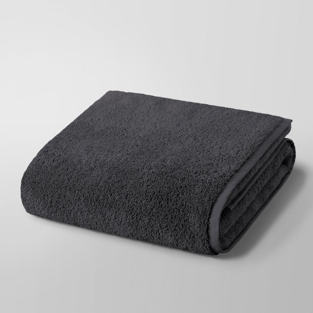 Полотенце для душа макси Gilbear, 100% хлопокПолотенце для душа макси Gilbear, 100% хлопок. Очень нежная, плотная и мягкая махровая ткань. 100% чесаный хлопок 600г/м?, очень мягкий и устойчивый к износу. Машинная стирка при 60 °С. Размер : 103 x 150 см.<br><br>Цвет: темно-серый