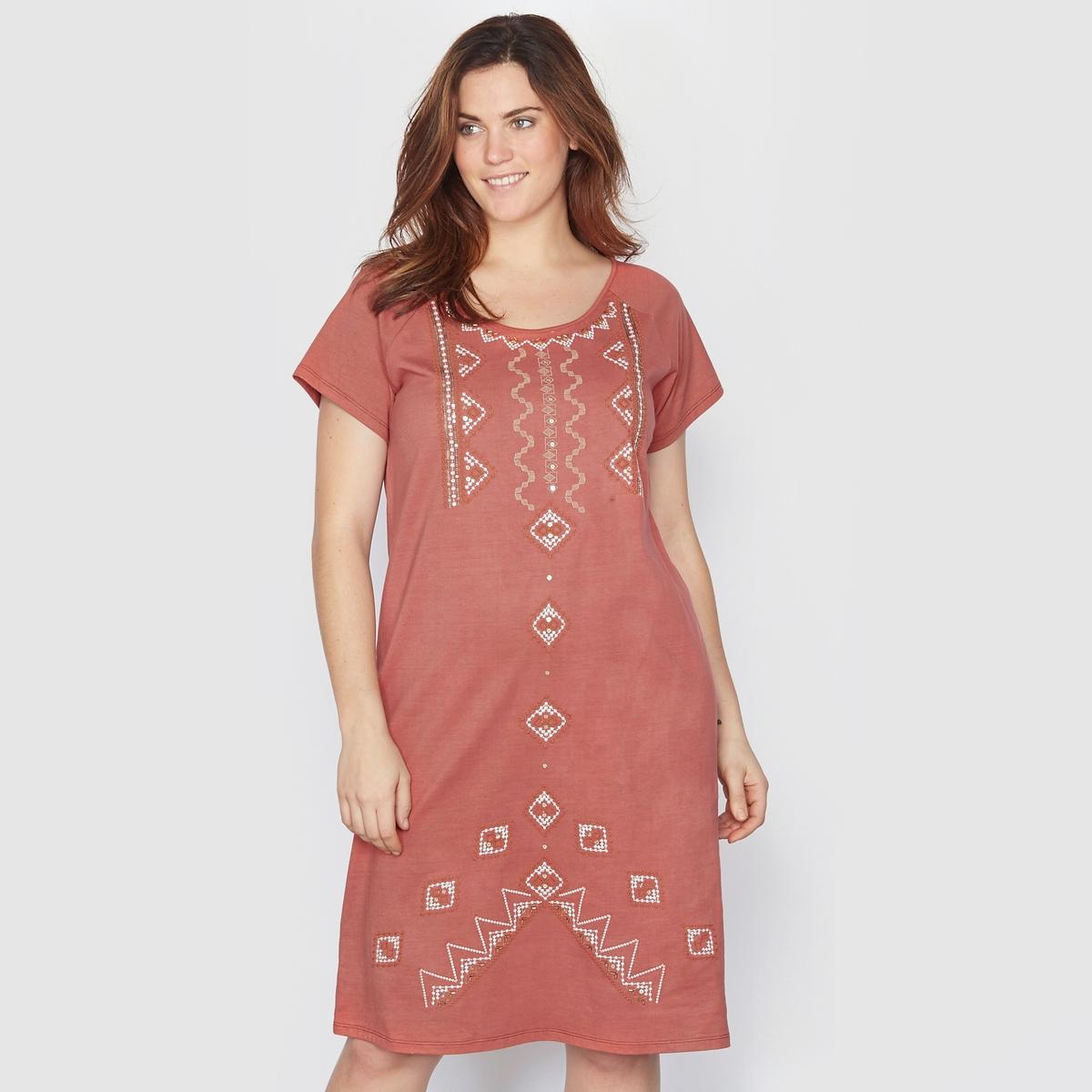 Платье, расшитое бусинамиПлатье из трикотажа. Расшито красивыми бусинами и украшено изысканной вышивкой! Закругленный вырез. Короткие рукава реглан. Джерси, 100% хлопок. Длина ок.95 см.<br><br>Цвет: кирпичный<br>Размер: 48 (FR) - 54 (RUS)