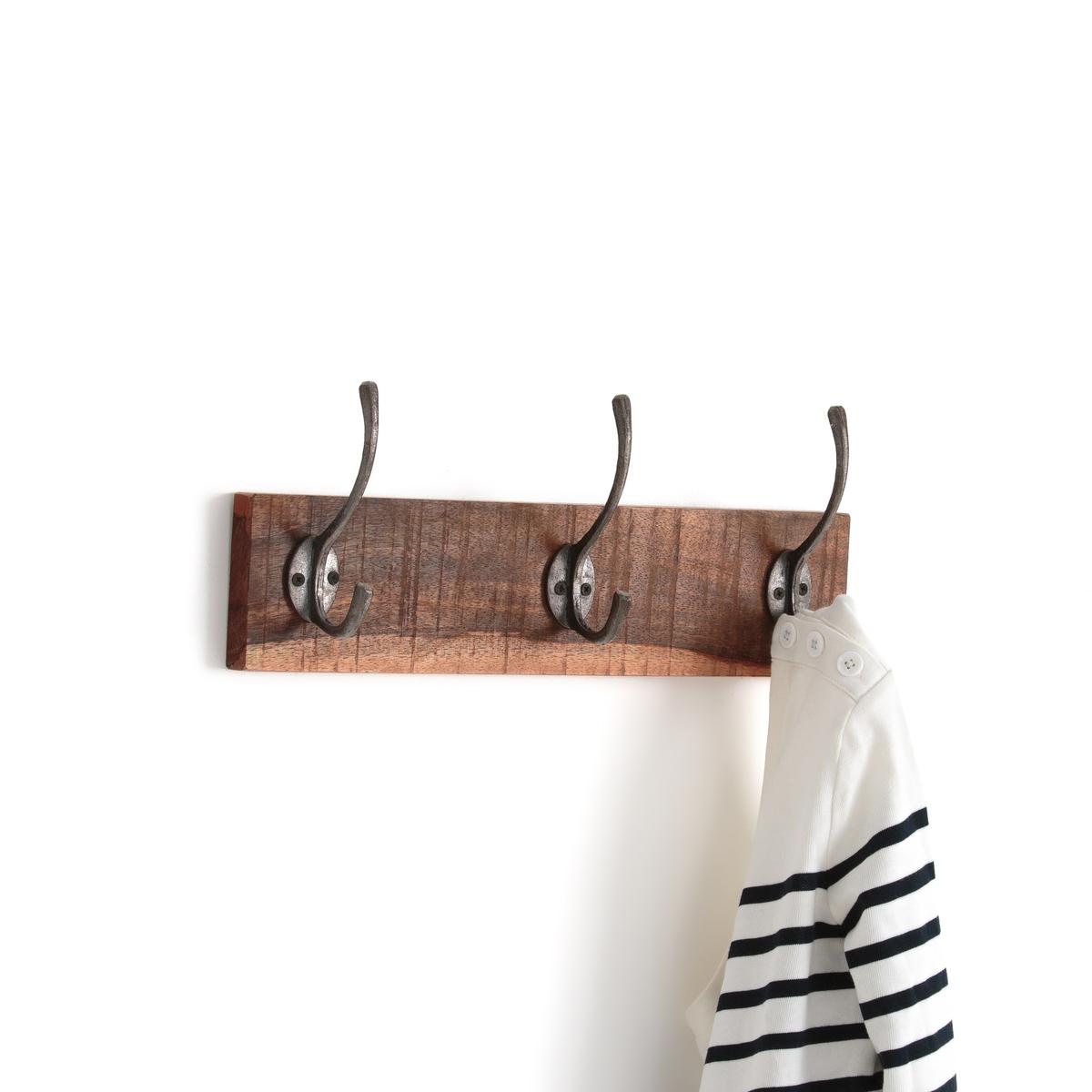 Вешалка с 3 крючками для крепления на стенеОписание:Вешалка с 3 раздвоенными крючками для крепления на стене La Redoute Interieurs .Описание вешалки :• Основа из крашеного массива мангового дерева • 3 раздвоенных крючка из метала с искусственно состаренным эффектом • шурупы и дюбели в комплект не входятРазмеры вешалки :• 38 x 7 см • Высота 15 см Всю коллекцию Вы можете найти на сайте laredoute.ru Вешалка с 3 крючками продается в собранном виде .Размеры и вес ящика :1 упаковка• 43x14xH12.5 см 1.3 кг<br><br>Цвет: серо-бежевый