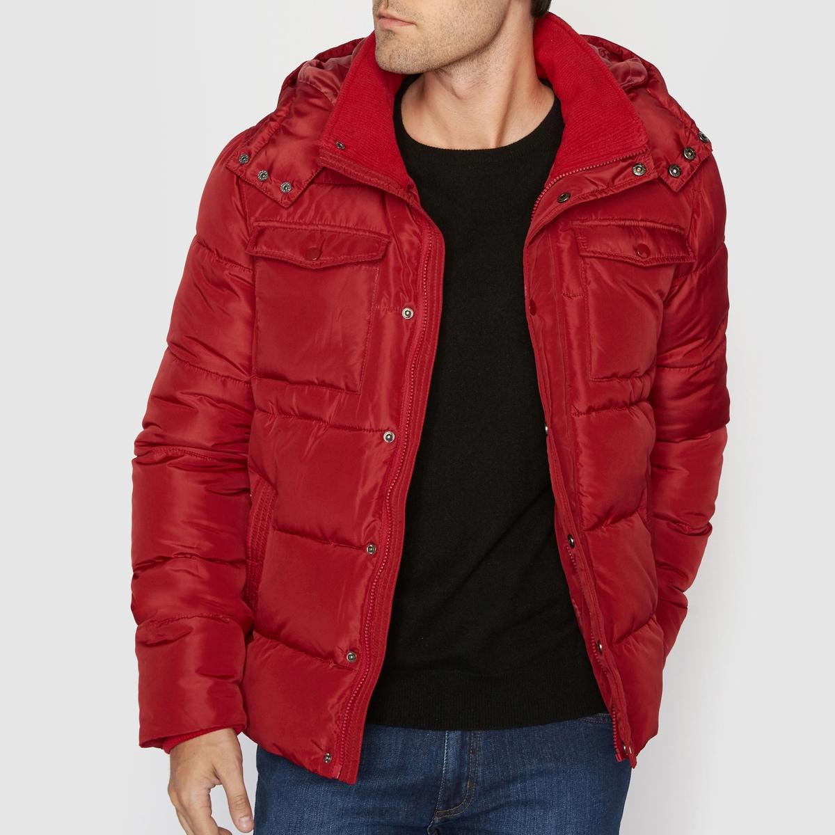 Куртка стеганая миди с капюшономСтеганая куртка миди с капюшоном R edition. Очень теплая и закрытая стеганая куртка: Стеганая куртка с практичными карманами, высоким воротником и капюшоном с клапаном защитит Вас от холода не только надежно, но и стильно! Материал : 100% полиэстерМарка :      R ?ditionНагрудные, боковые и внутренний карманы.Подкладка из 100% полиэстера..Застежка на молнию.<br><br>Цвет: бордовый<br>Размер: S