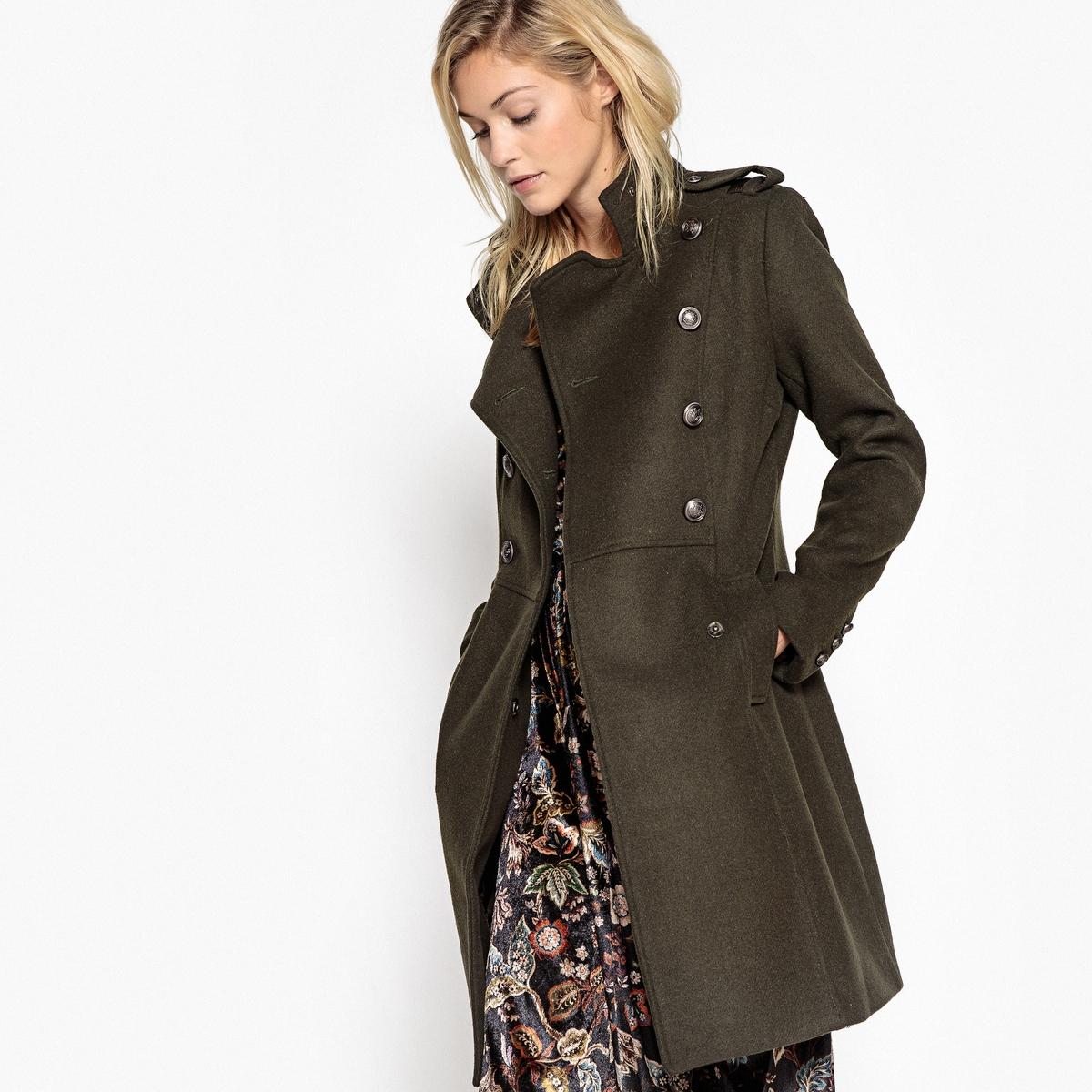 Пальто длинное в стиле милитари, 55% шерстиОписание:Структурированная форма пальто в стиле милитари для стильного внешнего вида. Длинная и прямая форма удлиняет силуэт и придает стильный внешний вид.Детали •  Длина : удлиненная модель •  Воротник-стойка • Застежка на пуговицыСостав и уход •  55% шерсти, 45% полиэстера  •  Следуйте советам по уходу, указанным на этикетке •  Длина : 91 см<br><br>Цвет: хаки<br>Размер: 34 (FR) - 40 (RUS)
