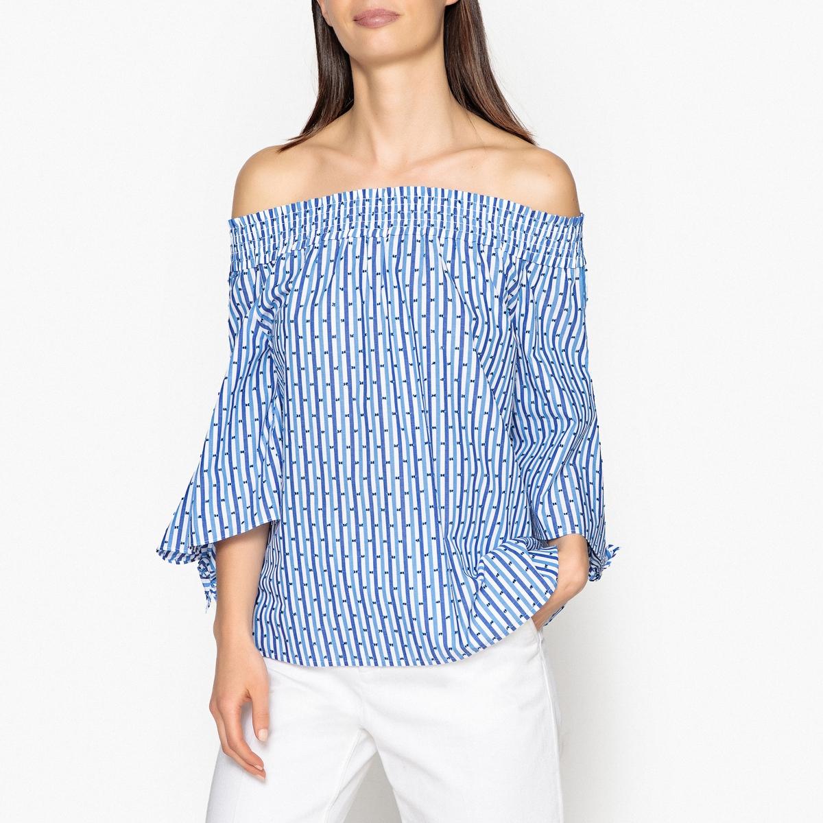 Блузка с декольте и оборками