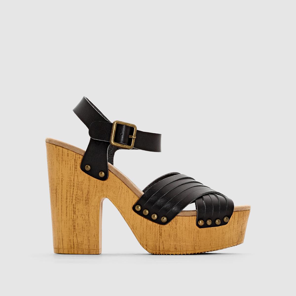 Босоножки на платформе COHENВ этих босоножках на стильном компенсированном каблуке вы будете выглядеть очень сексуально и чувствовать невероятный комфорт этим летом!<br><br>Цвет: черный