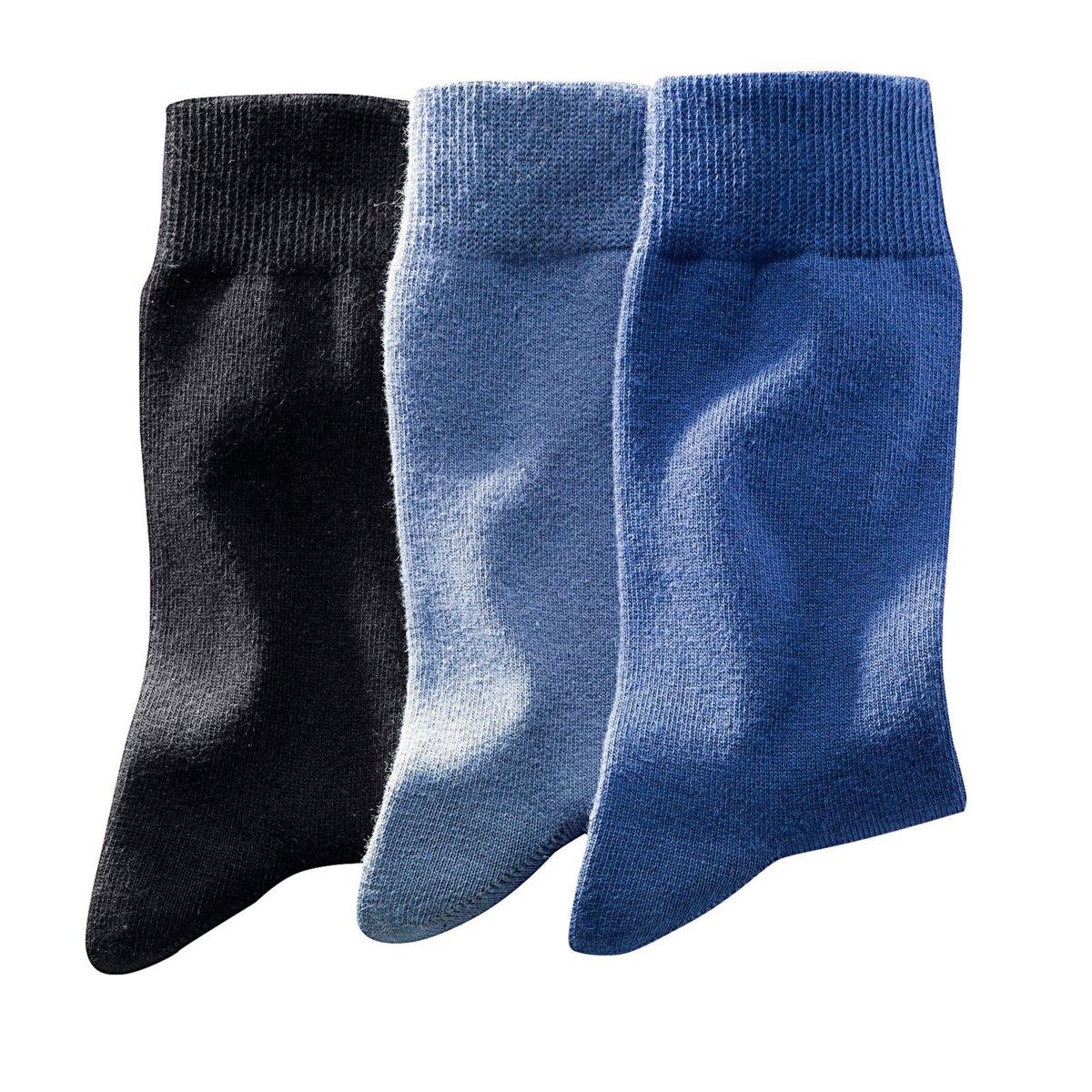 3 пары носков3 пары однотонных носков, 78% хлопка, 20% полиамида, 2% эластана.<br><br>Цвет: черный + каштан + бежевый,черный + серый,черный + синий + голубой,черный<br>Размер: 43/46.39/42.43/46.39/42.43/46.47/50.39/42