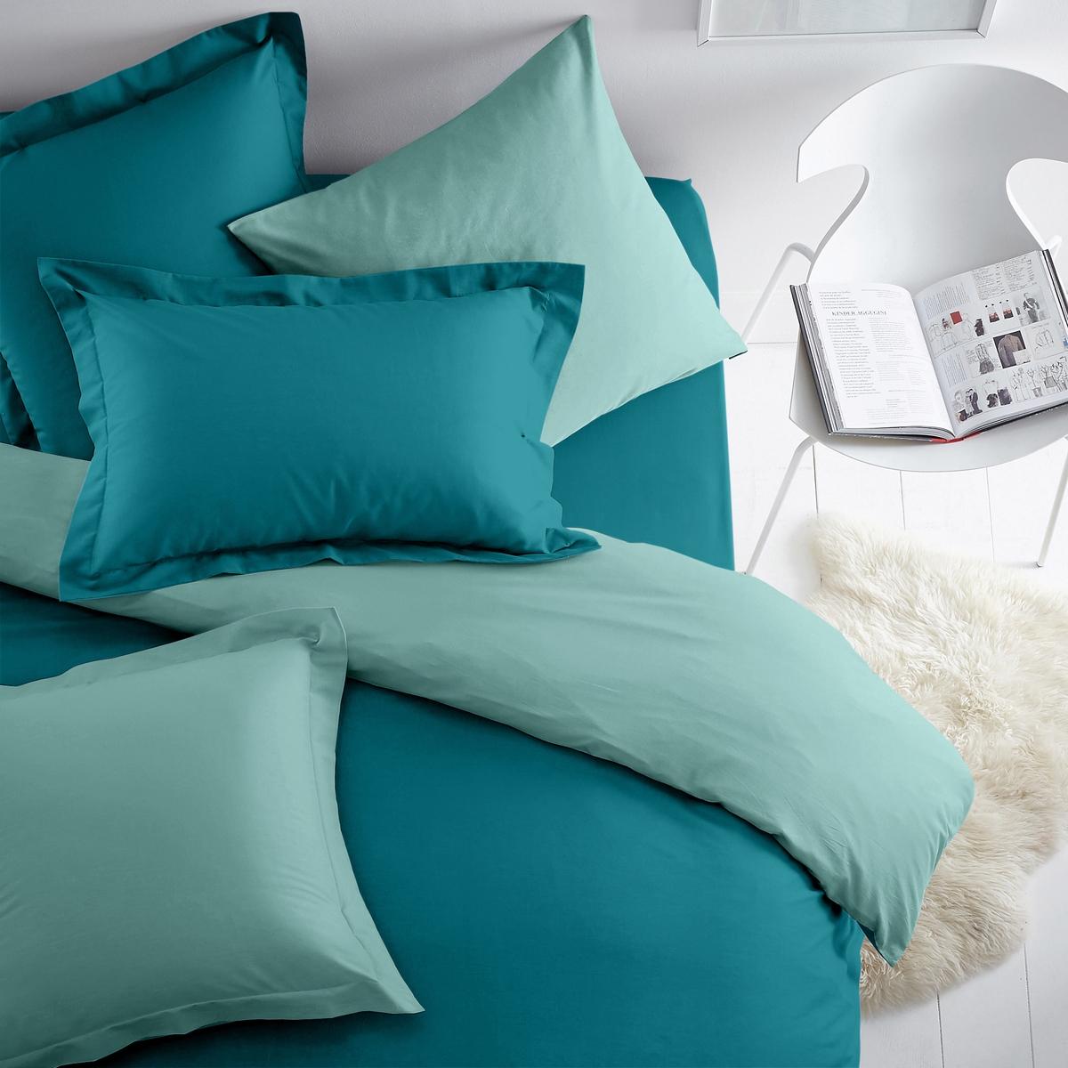 Наволочка двухцветная из хлопка/полиэстераДвусторонняя наволочка для использования в сочетании с постельным бельем из коллекции  SCENARIO !Плотная ткань (57 нитей/cм?). Чем плотнее переплетение нитей/см?, тем выше качество материала.Характеристики двухцветной наволочки из хлопка и полиэстера :Плотная ткань (57 нитей/cм?). Чем плотнее переплетение нитей/см?, тем выше качество материала.- Наволочка квадратной формы (с плоским воланом или без него) и наволочка прямоугольной формы из ткани: 50% хлопка, 50% полиэстера, с плотным переплетением нитей. Удобная и прочная наволочка.- Превосходная стойкость цвета при стирке (60°C).- Быстро сохнет. Легко гладить.Знак Oeko-Tex® гарантирует отсутствие вредных для здоровья человека веществ в протестированных и сертифицированных изделиях.Наволочка :50 x 70 см : Прямоугольная наволочка с воланом 63 x 63 см : Квадратная наволочка64 x 64 : Квадратная наволочка с воланом Комплекты постельного белья серии SC?NARIO BICOLORE ищите на нашем сайте laredoute.ru<br><br>Цвет: антрацит/серо-бежевый,бежевый/ белый,Горчичный желтый / антрацитовый серый,сине-зеленый<br>Размер: 63 x 63  см.50 x 70  см